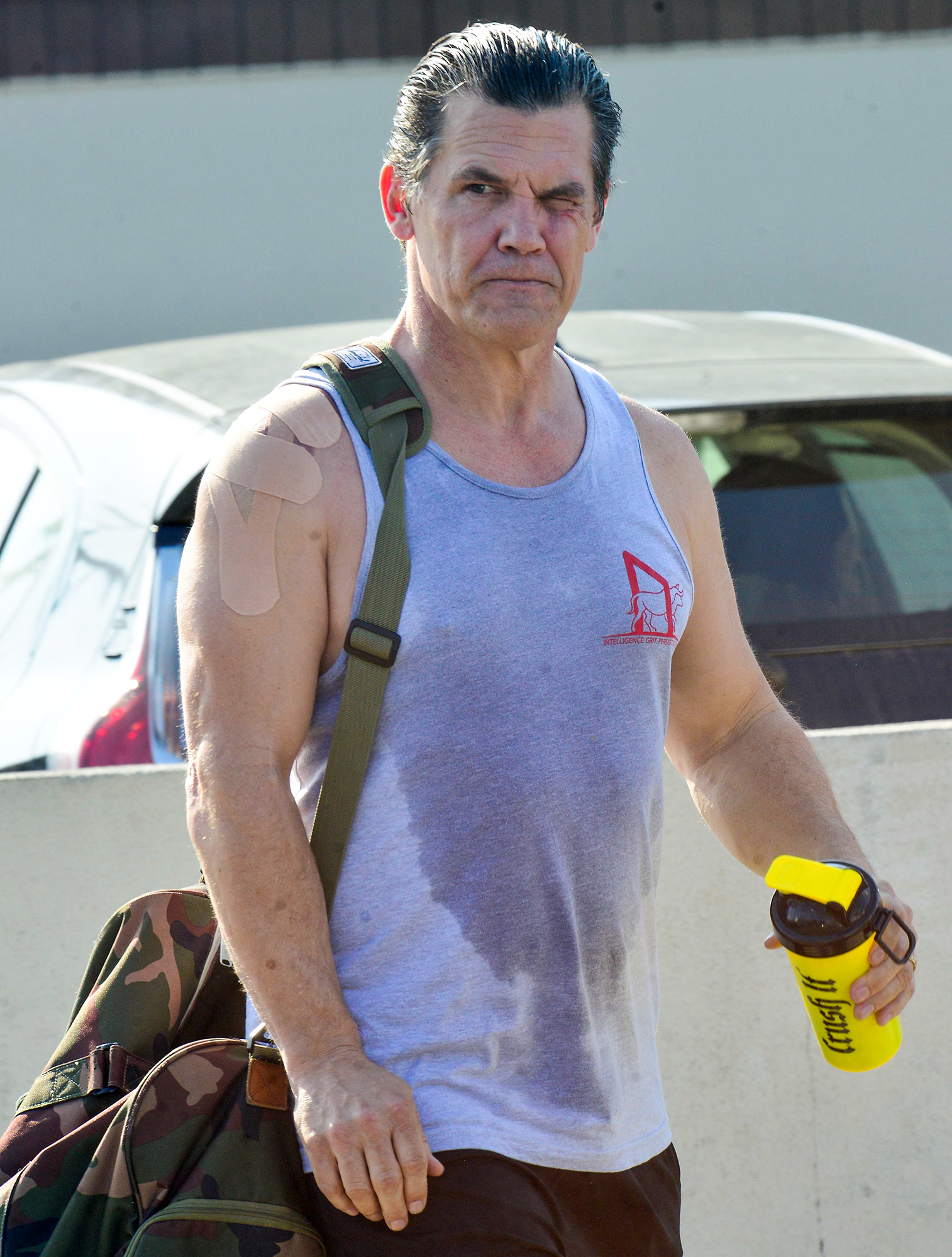 EXCLUSIVE: Josh Brolin looking as if he has had quite the workout and an injured shoulder as he leaves Golds Gym in Venice, Ca
