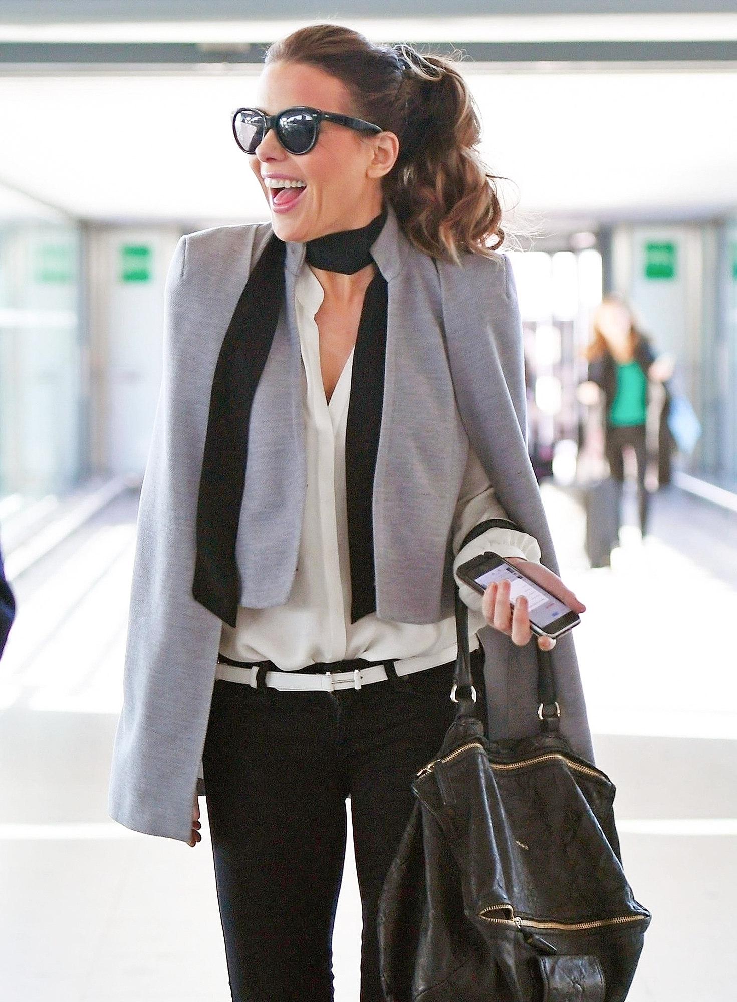 *EXCLUSIVE* Kate Beckinsale looks stylish at Heathrow
