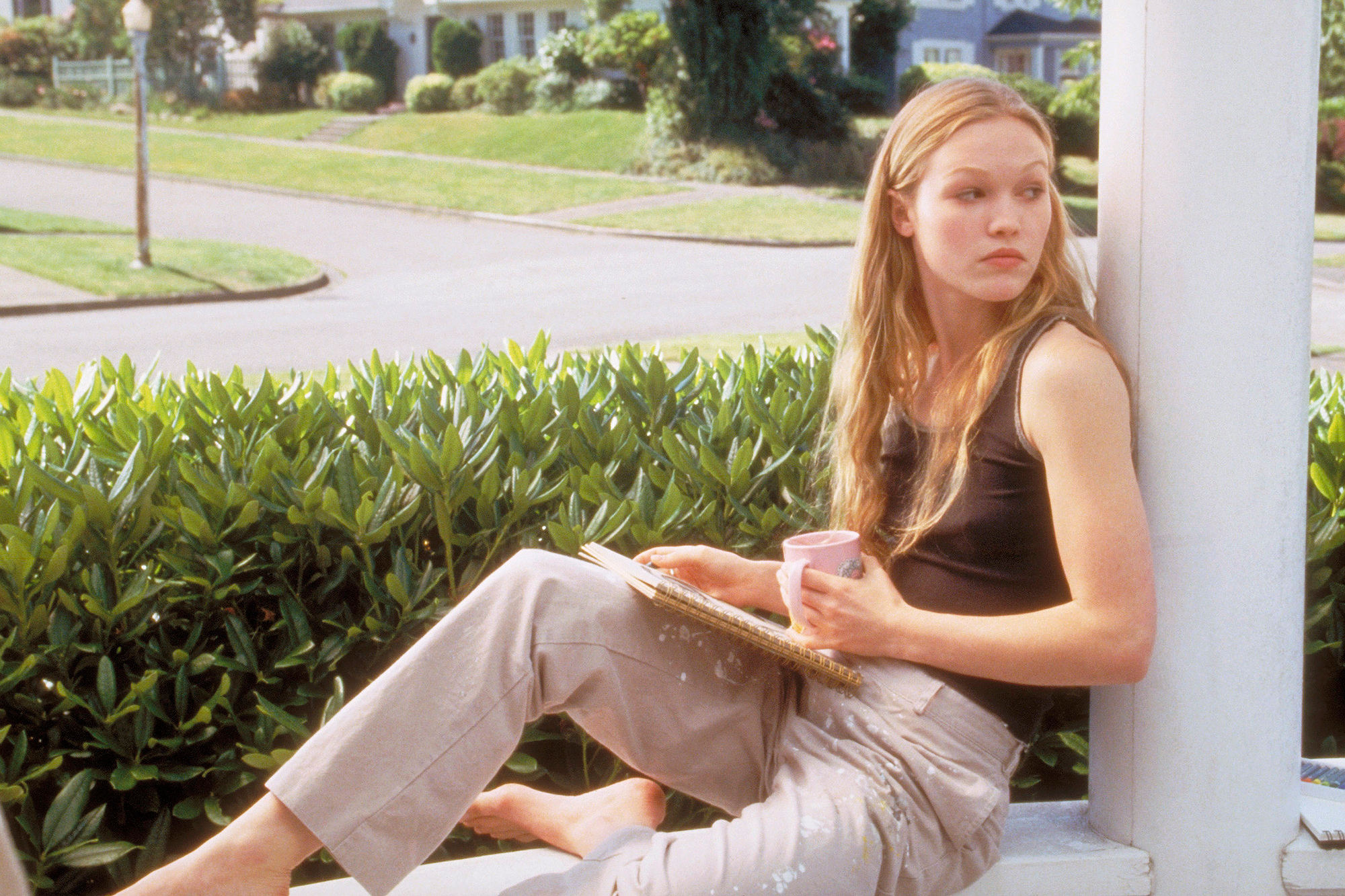 10 THINGS I HATE ABOUT YOU, Julia Stiles, 1999, © Buena Vista/courtesy Everett Collection