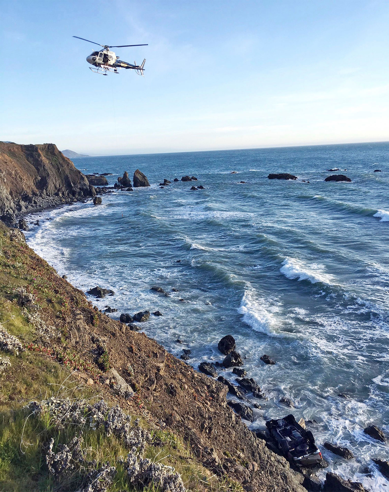 Coastal Crash Five KIlled, Mendocino, USA - 27 Mar 2018