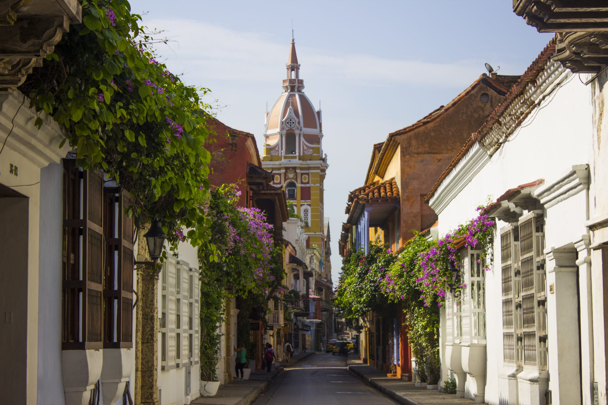 A sunny day in the colonial streets of the city of Cartagena