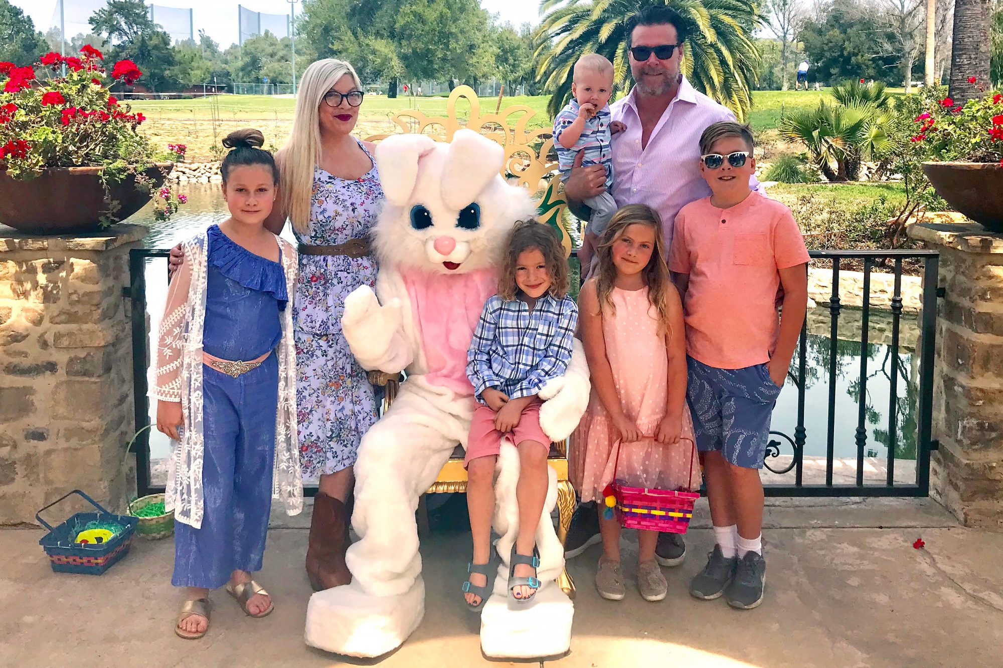 Tori Spelling Celebrates Easter With her Family