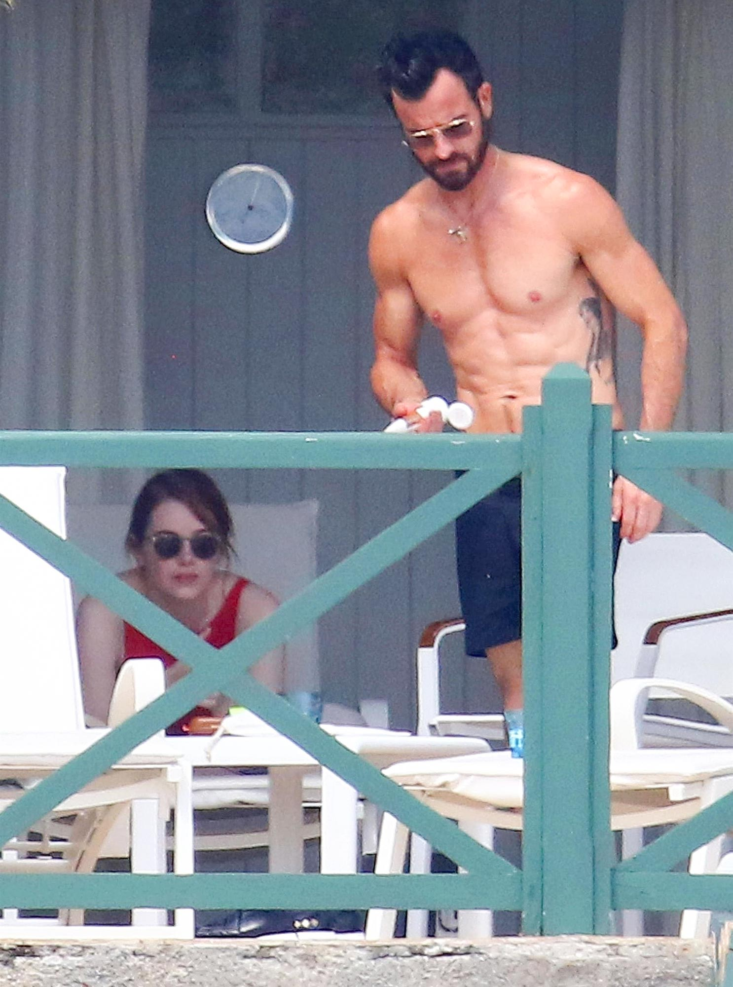 *PREMIUM-EXCLUSIVE* Emma Stone and Justin Theroux spend some quality time together in the South of France