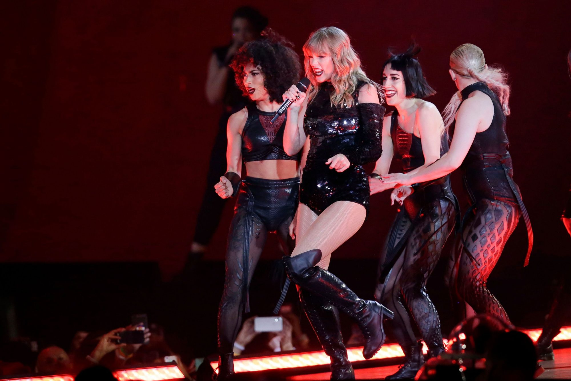 Taylor Swift in Concert - , AZ, Glendale, USA - 08 May 2018