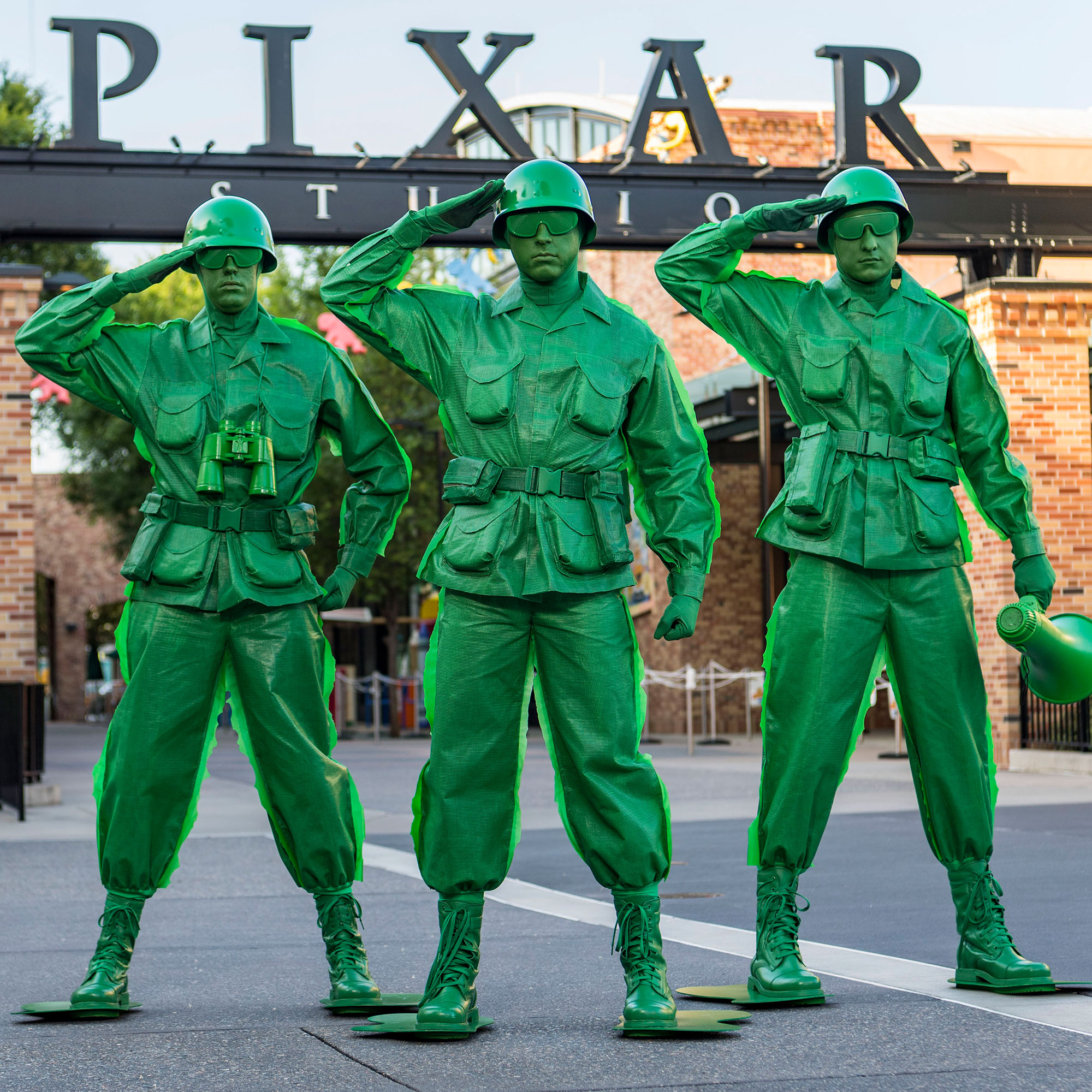 toy-story-land-green-army-men