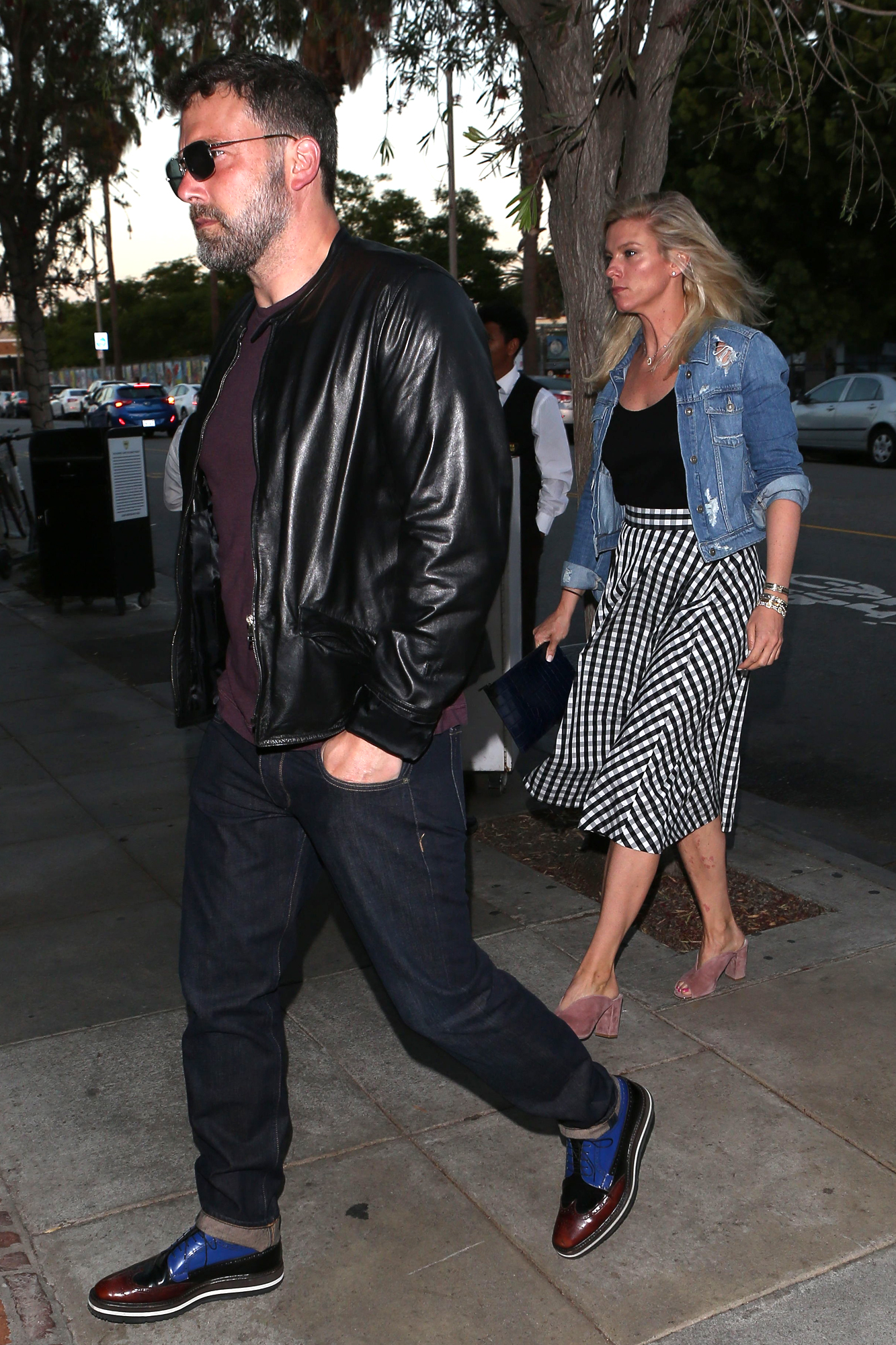 PREMIUM EXCLUSIVE Ben Affleck And Lindsay Shookus Share Romantic Dinner Amid Pregnancy Rumors Part2