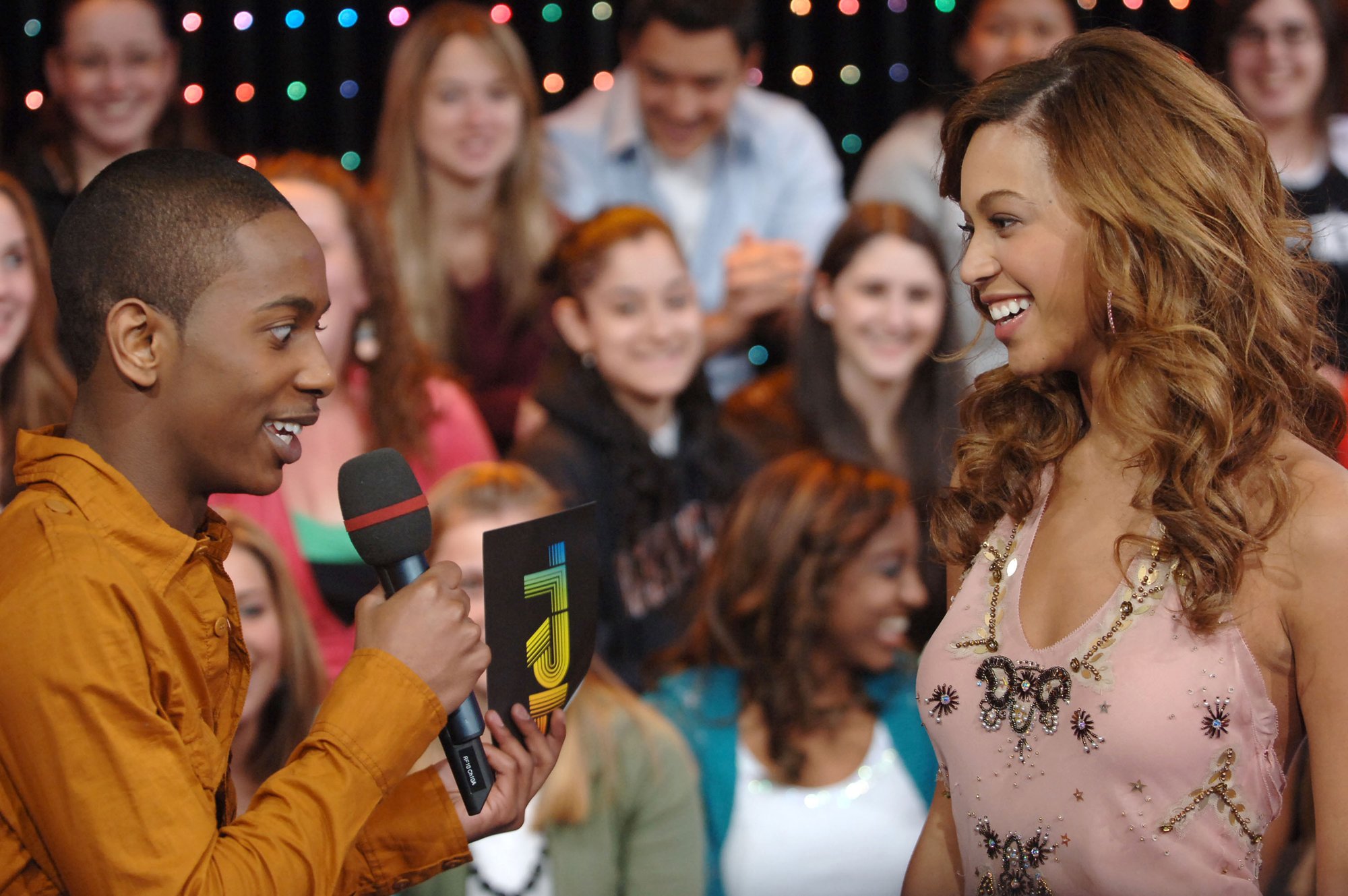"Beyonce and the Cast of ""One Tree Hill"" Visit MTV's ""TRL"" - February 7, 2006"