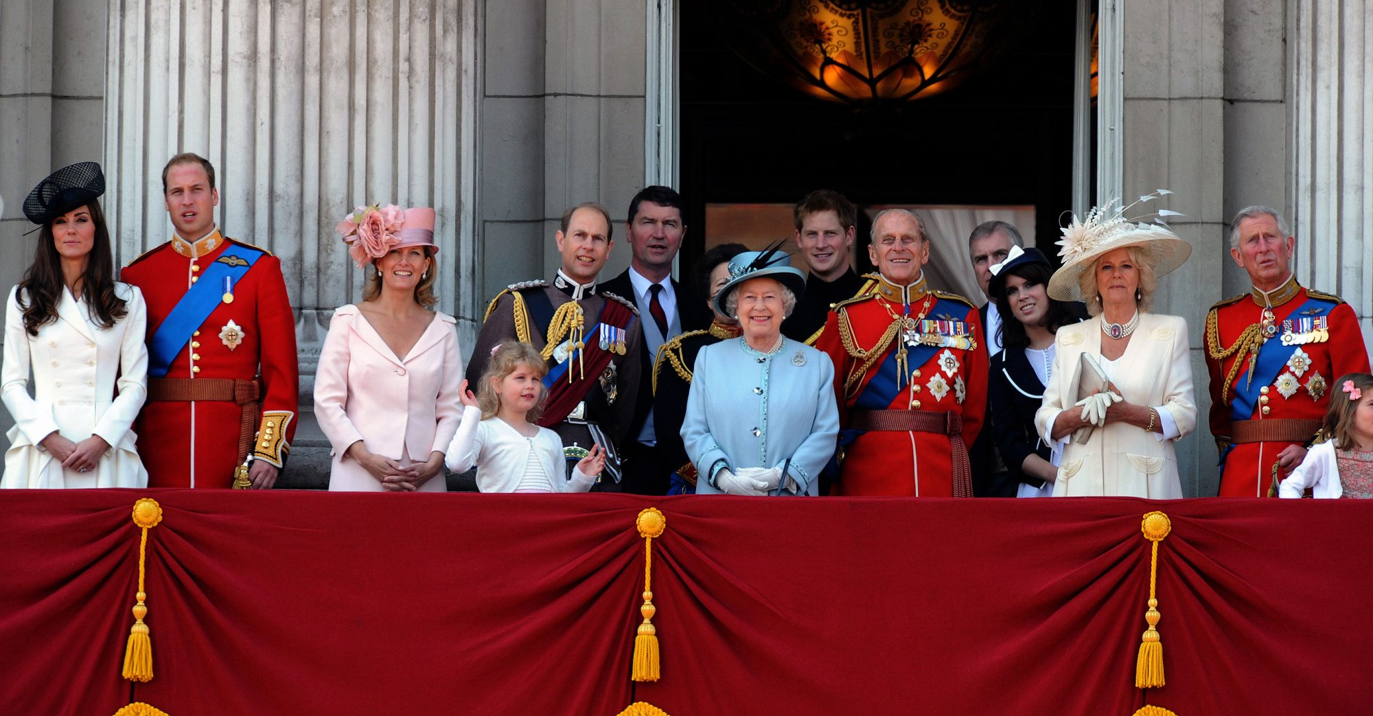 kate-trooping-the-colours-1