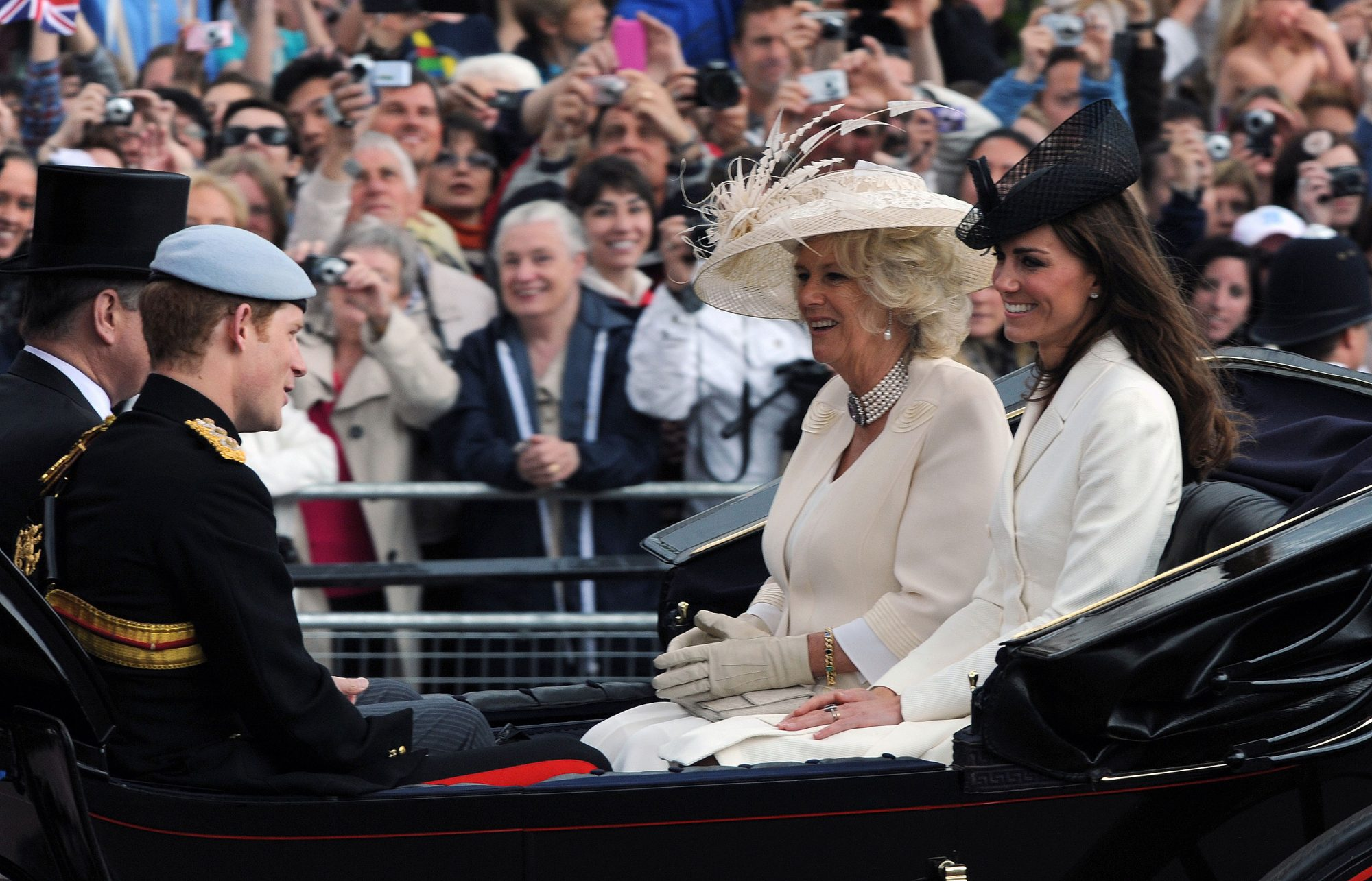 kate-trooping-the-colours-2
