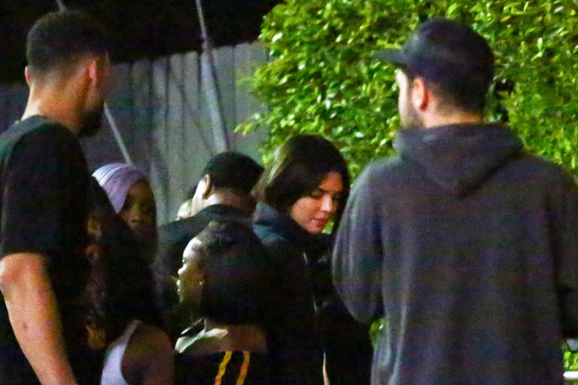 EXCLUSIVE: Kendall Jenner And Rumored Boyfriend Ben Simmons Are Both Spotted Arriving And Leaving Together At Hyde In Los Angeles