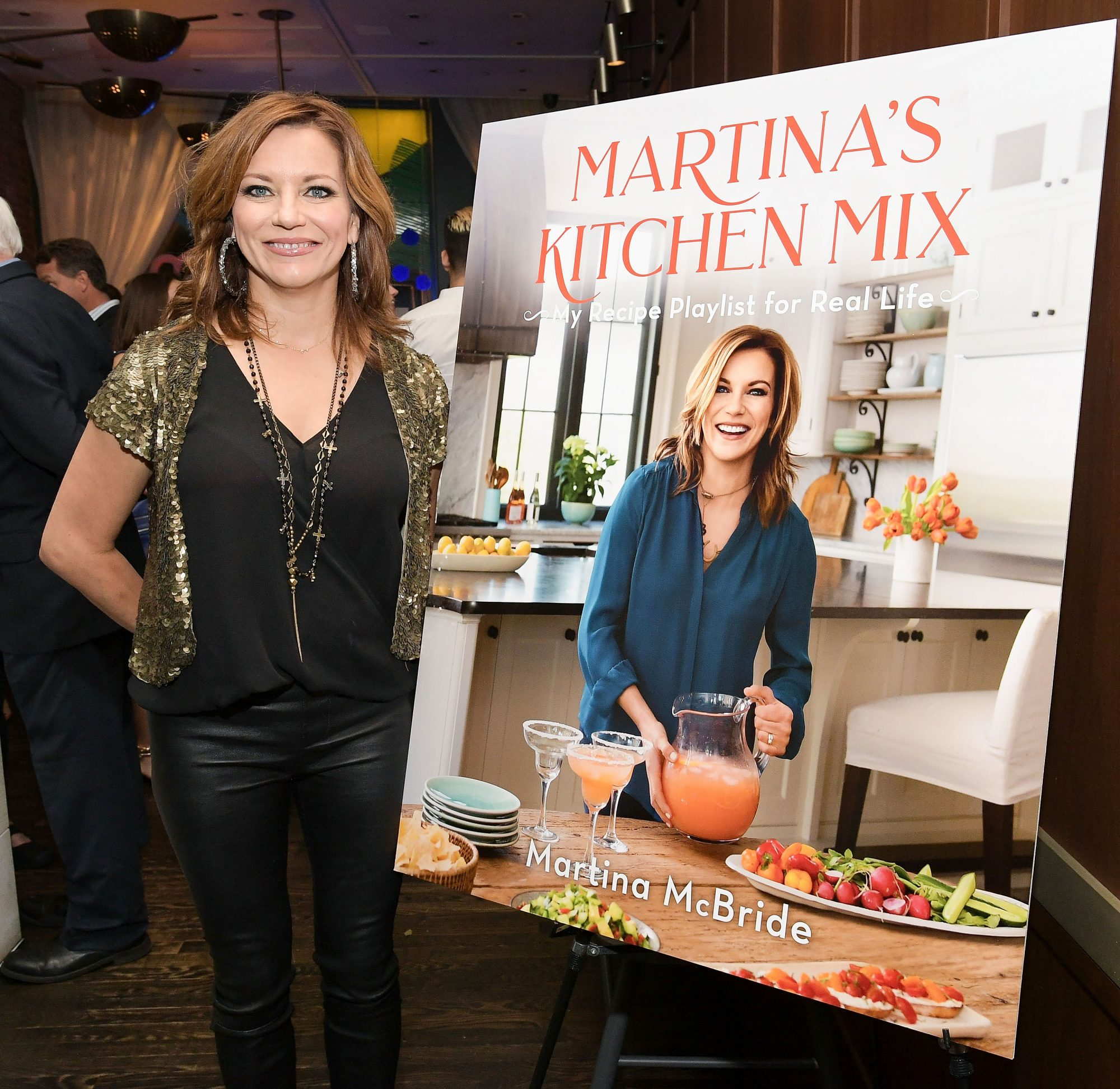 "Martina McBride Announces Forthcoming Cookbook ""Martina's Kitchen Mix"""