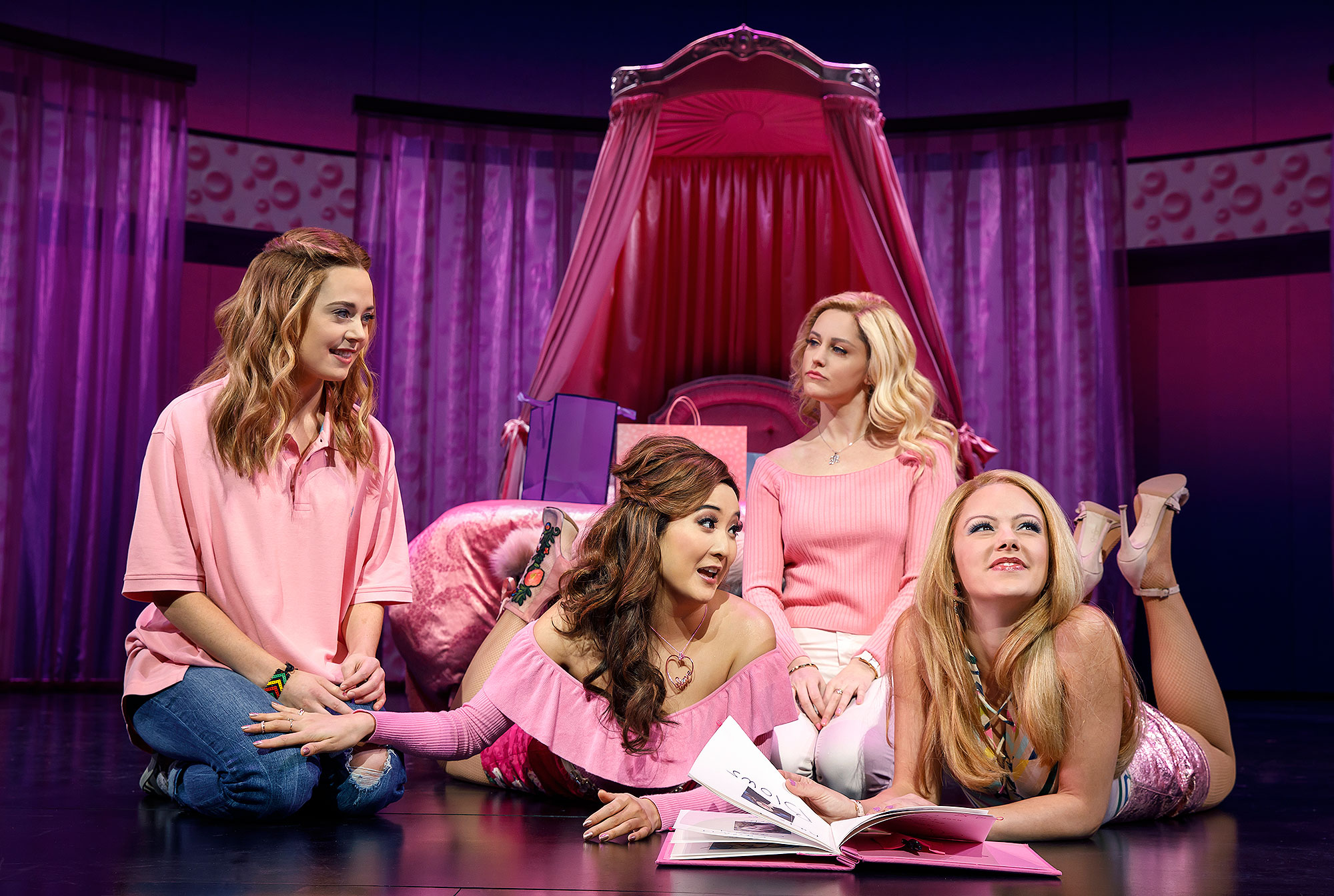 mean-girls-musical-2