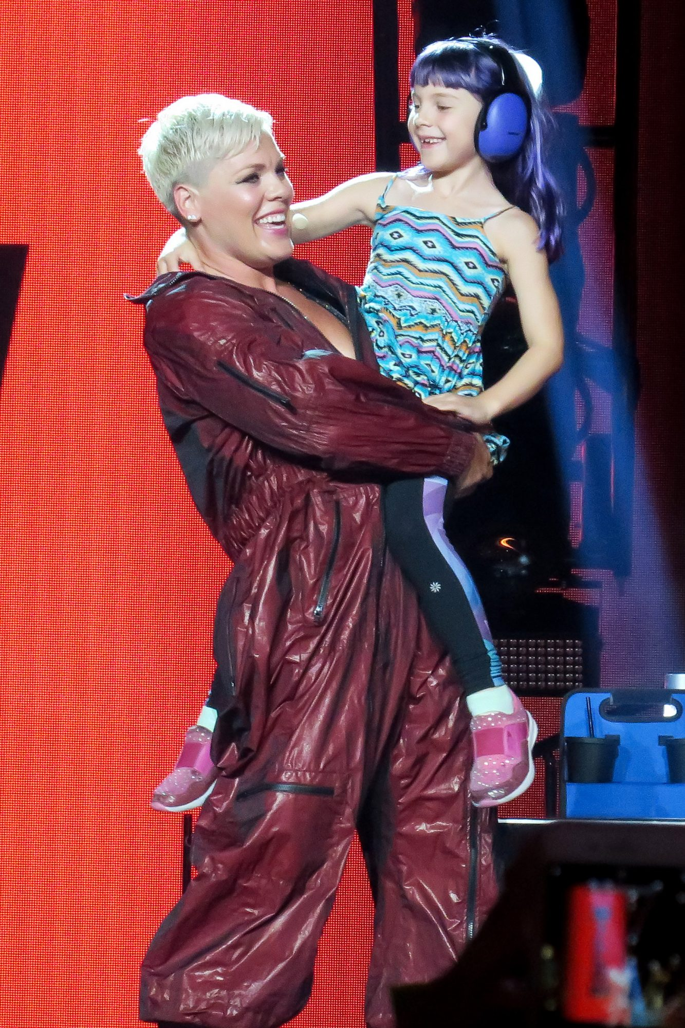 Pink And Her Daughter Willow Share A Moment On Stage In Los Angeles, USA.