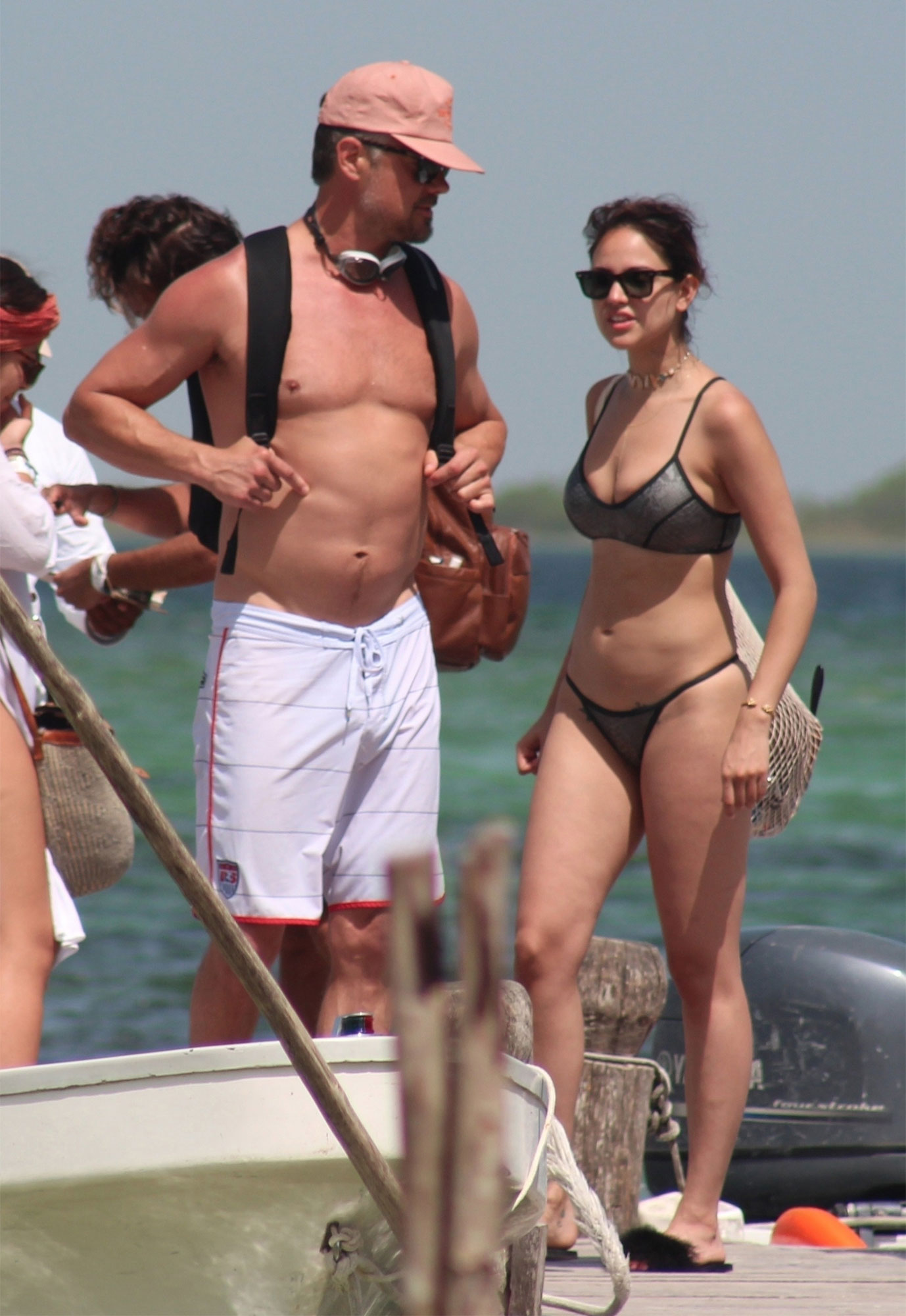 *PREMIUM-EXCLUSIVE* Eiza González and Josh Duhamel can't keep their hands off each while on vacation