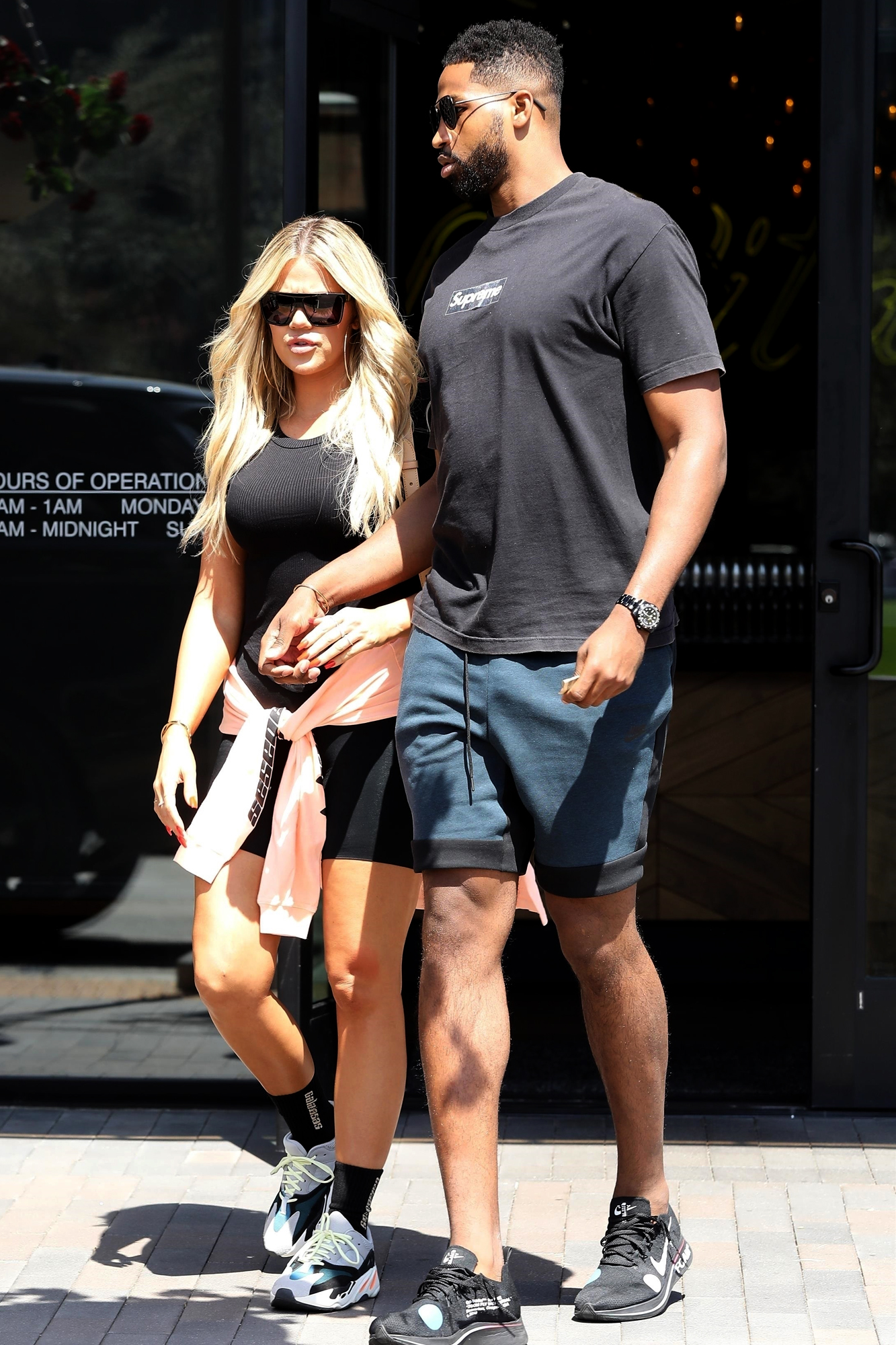 *EXCLUSIVE* Khloe Kardashian and Tristan enjoy their afternoon grabbing lunch together