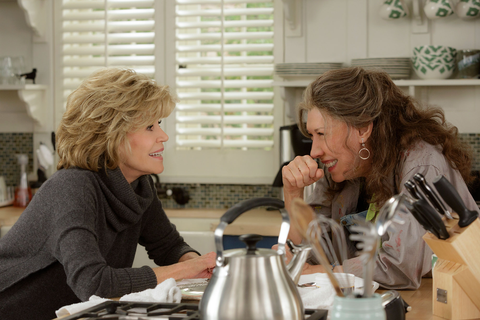 """1E1AAAF9 Jane Fonda and Lily Tomlin in the Netflix Original Series """"Grace and Frankie"""". Photo by Melissa Moseley for Netflix."""