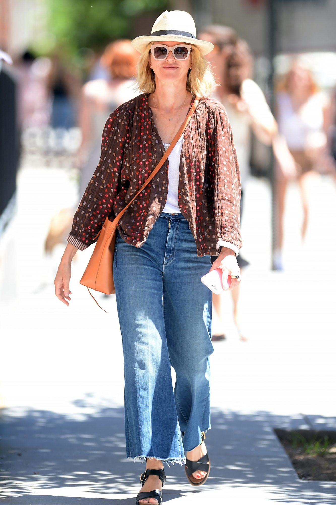 Naomi Watts is photographed heading back home after having lunch in New yOrk city today