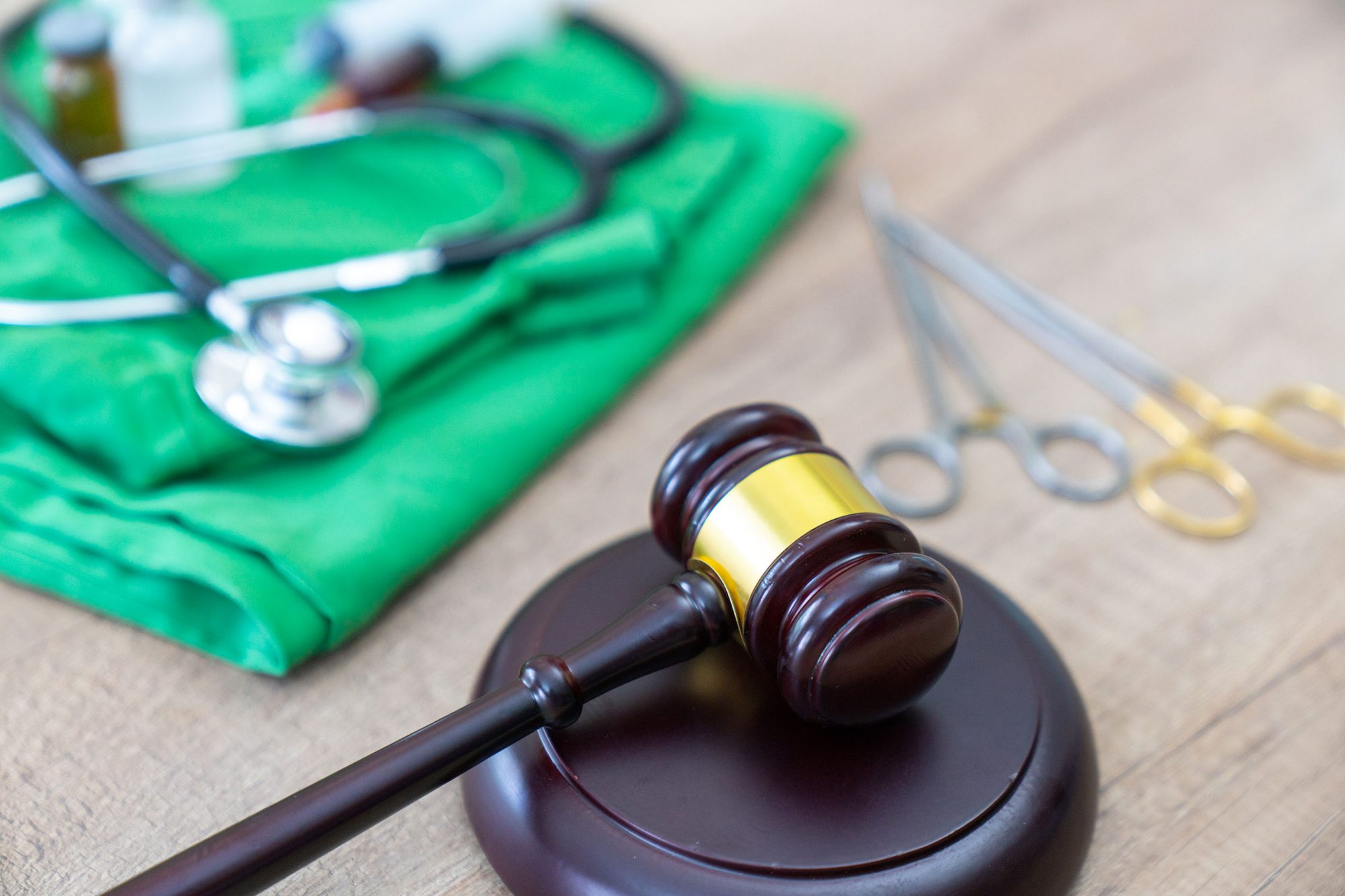 legal definition of medical malpractice. attorney. common errors doctors, nurses and hospitals make.