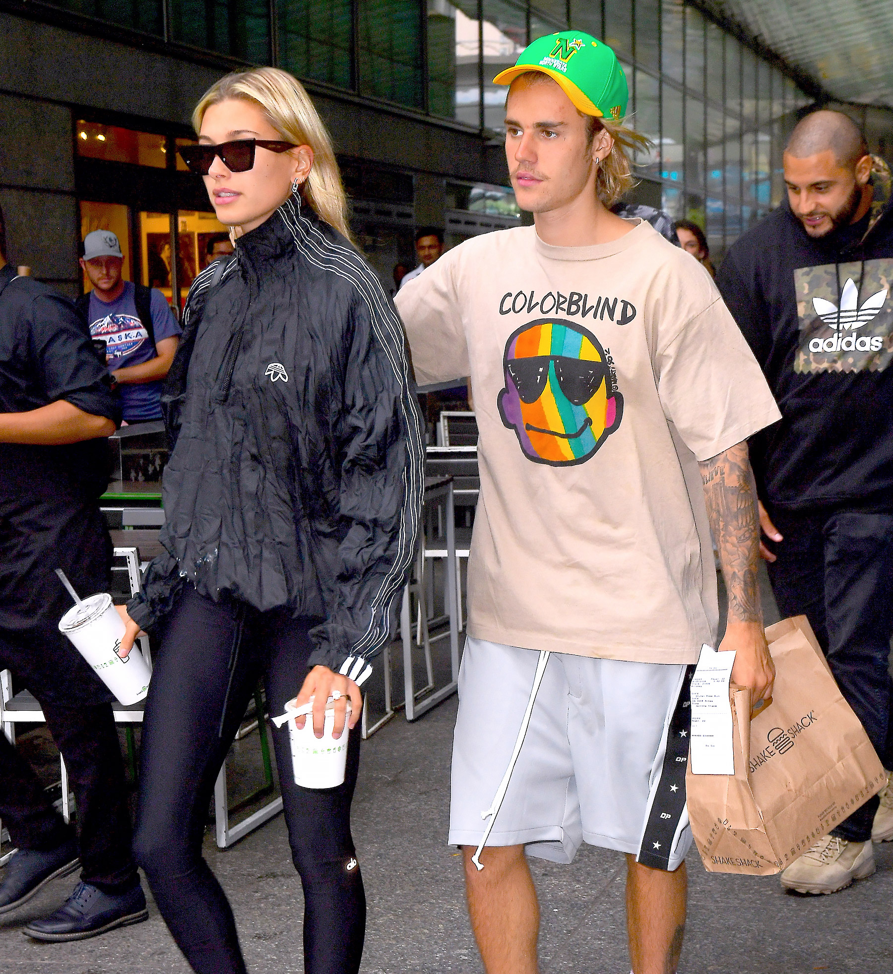 Justin Bieber And Hailey Baldwin Pack On The PDA While Getting Burgers And Milkshakes In New York