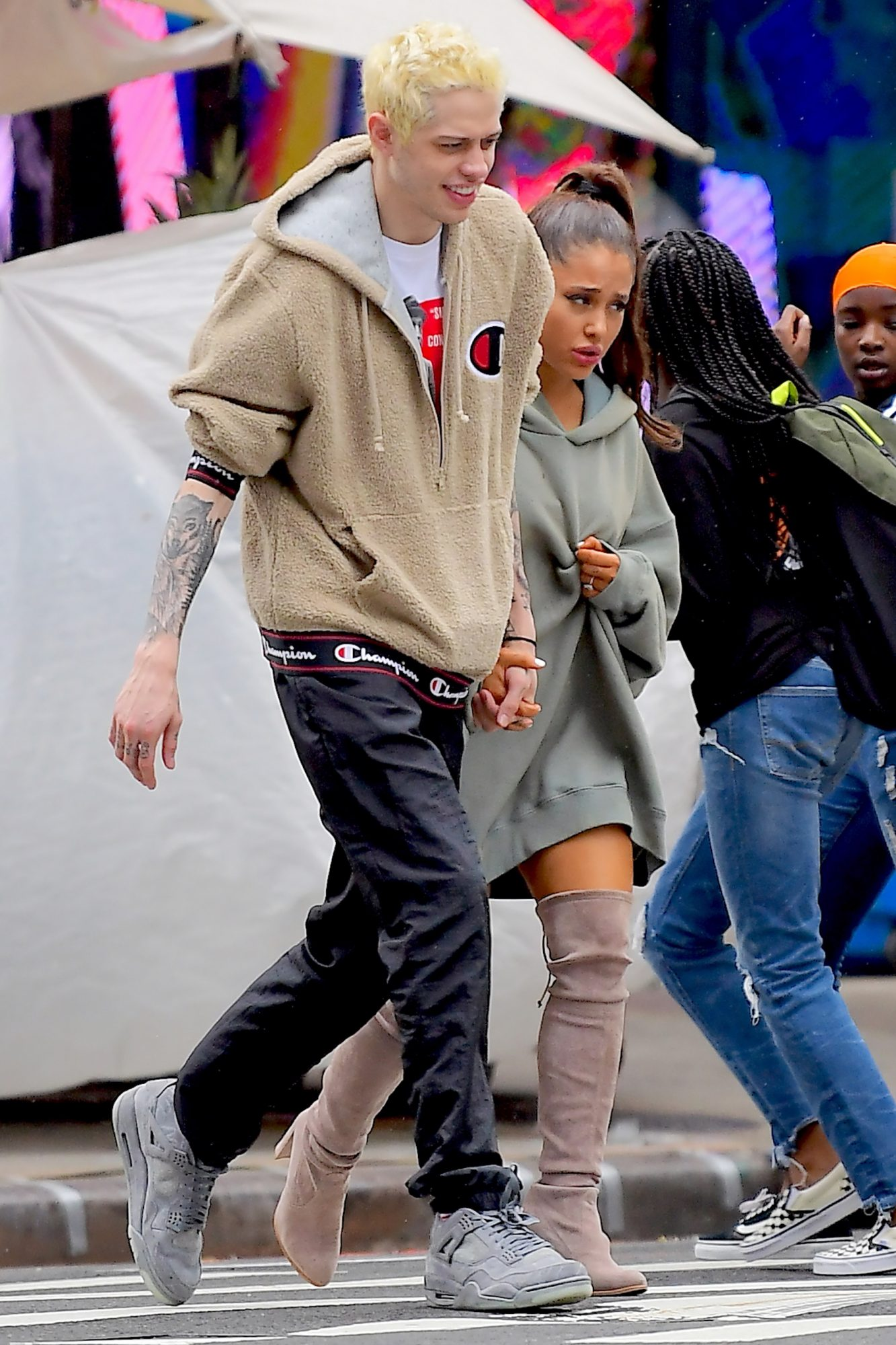 EXCLUSIVE: **PREMIUM EXCLUSIVE RATES APPLY** No Web Till 11AM PST 19th Sept 2018 * Ariana Grande Leans on Pete Davidson for Support in First Public Outing since Mac Miller's Death