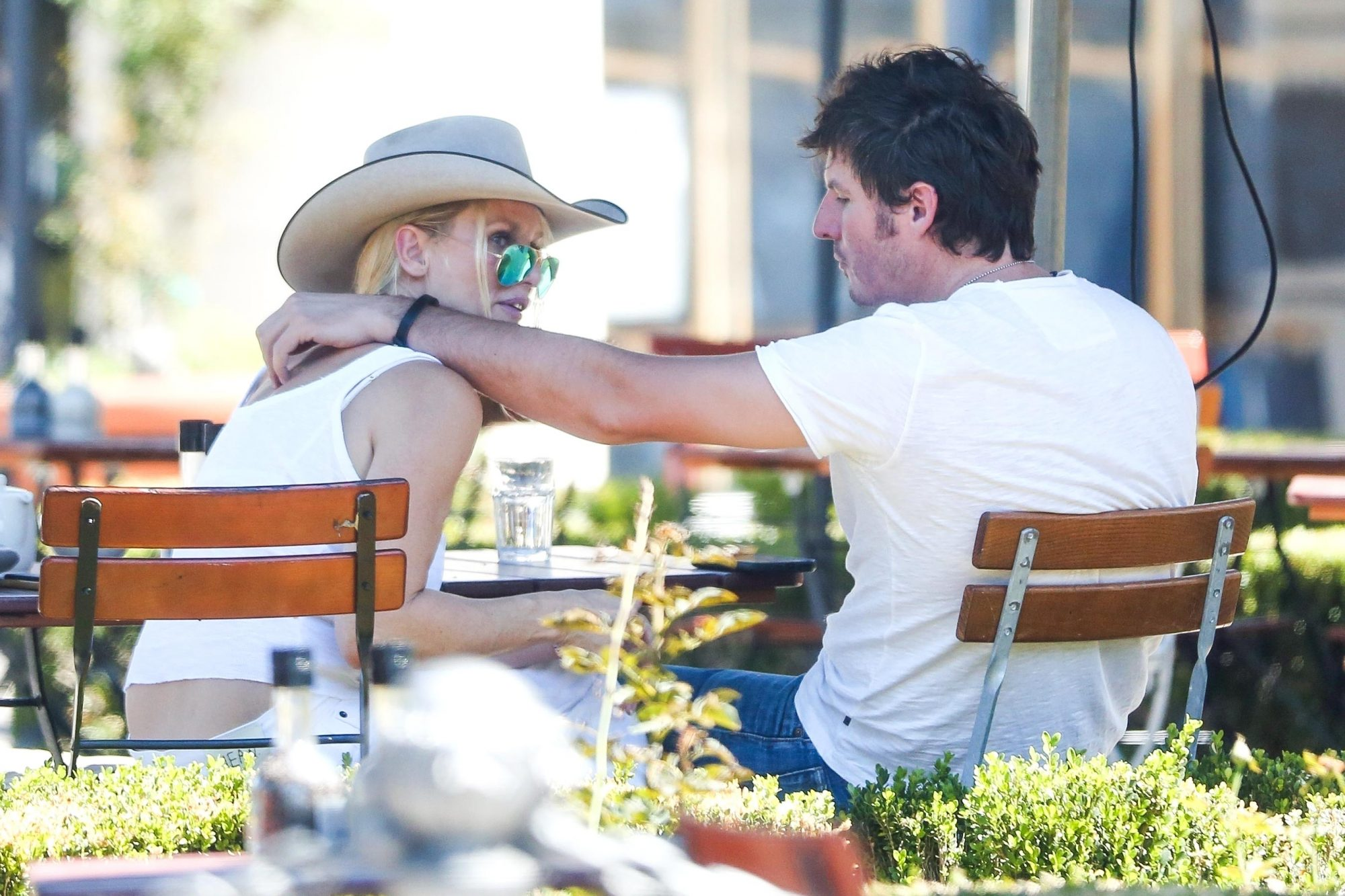 Nicollette Sheridan enjoys lunch with her boyfriend after finalizing divorce from Aaron Phypers