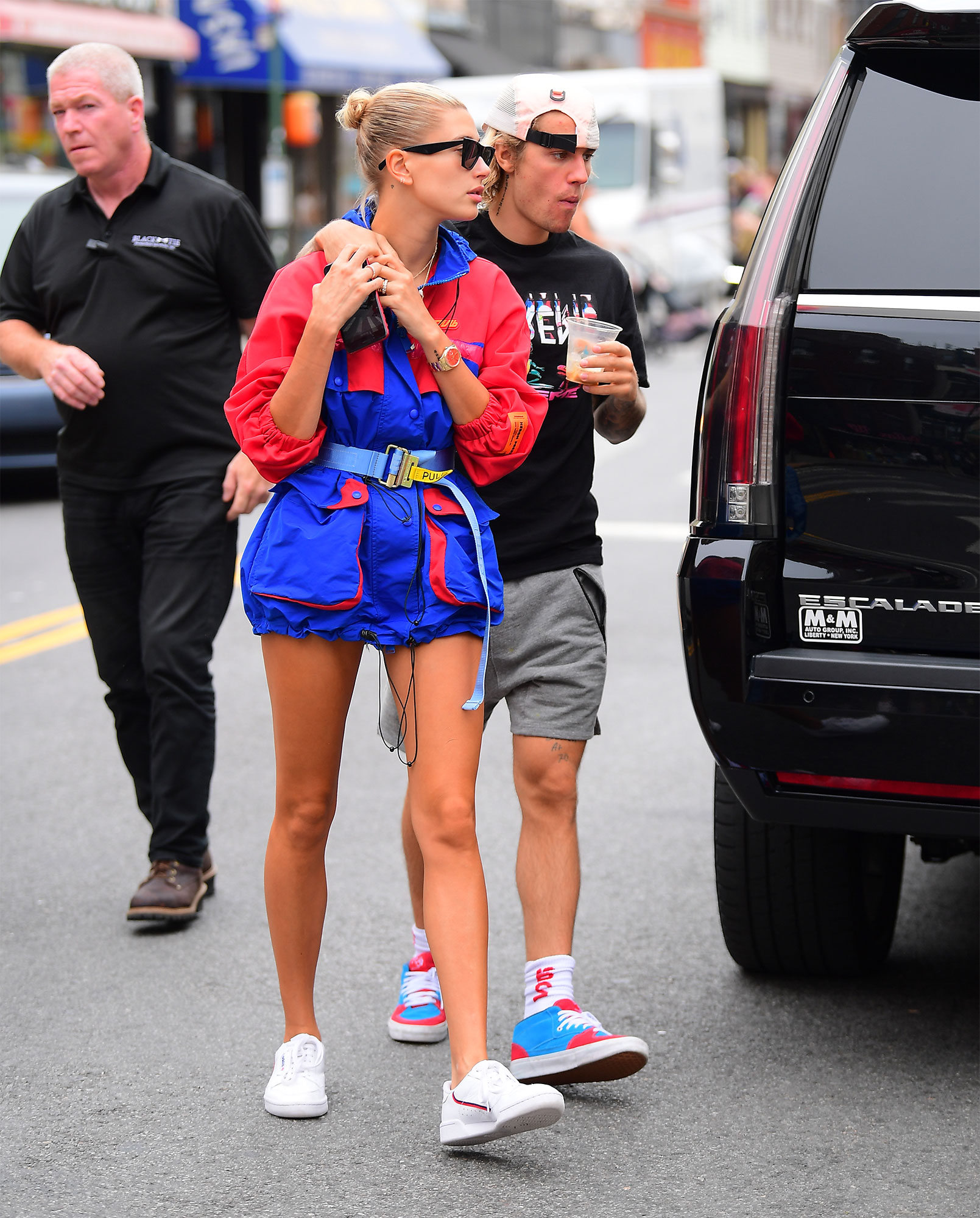 Justin Bieber And Hailey Baldwin Share A Kiss As They Grab Breakfast At A Famous Brooklyn Deli In Brooklyn