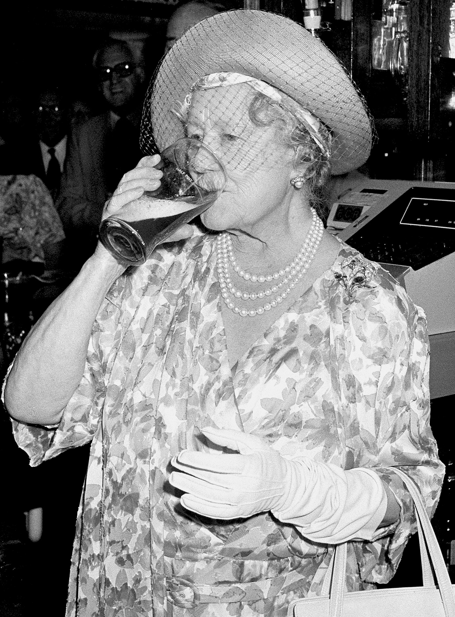 Queen Mother Drinking Pint