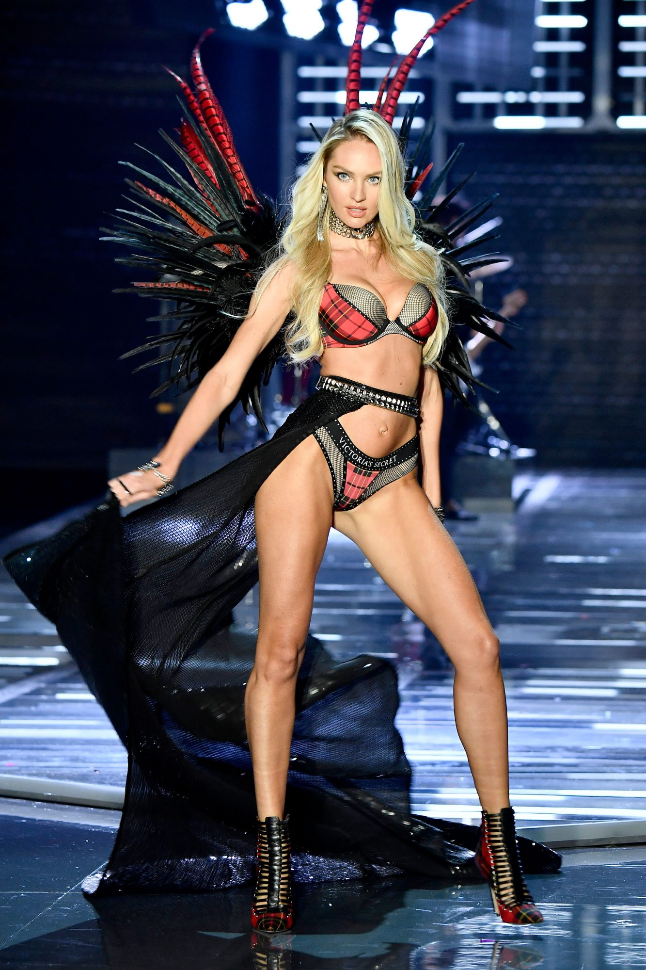 vs-fashion-show-g