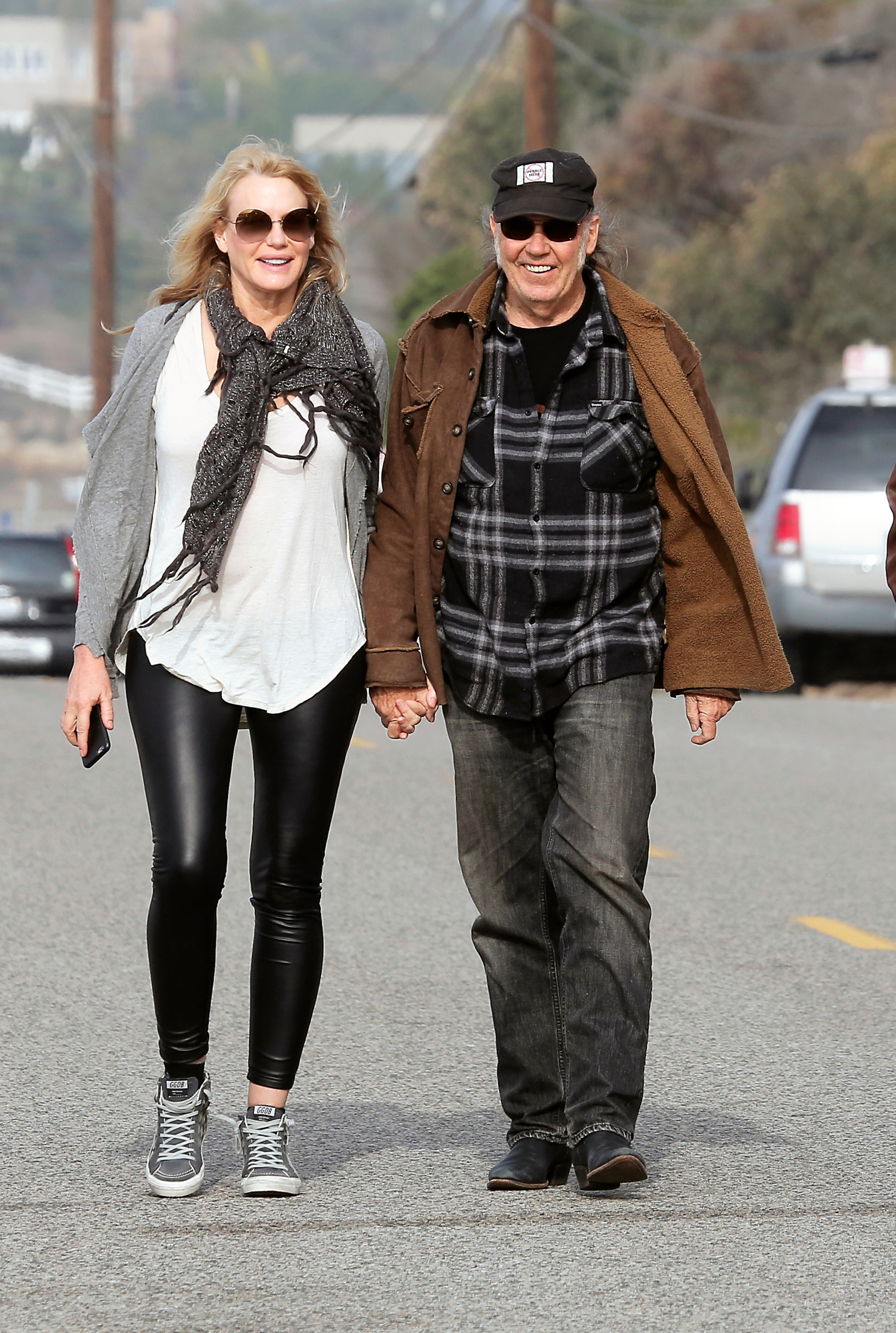 Cute Couple Daryl Young And Neil Young Go For A Romantic Stroll In Malibu