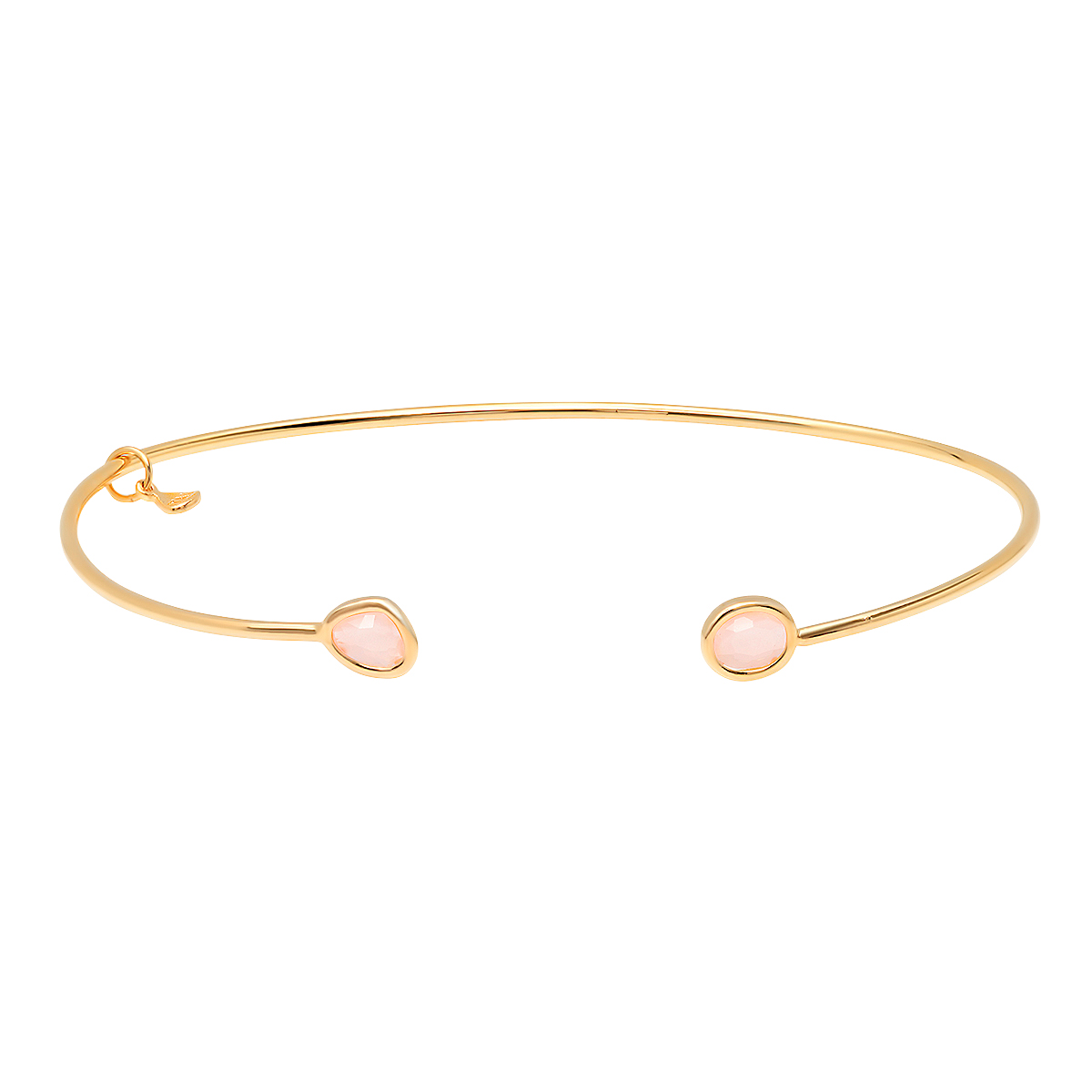 bangle. BCA. contact Jackie_fields@peoplemag.com for usage.