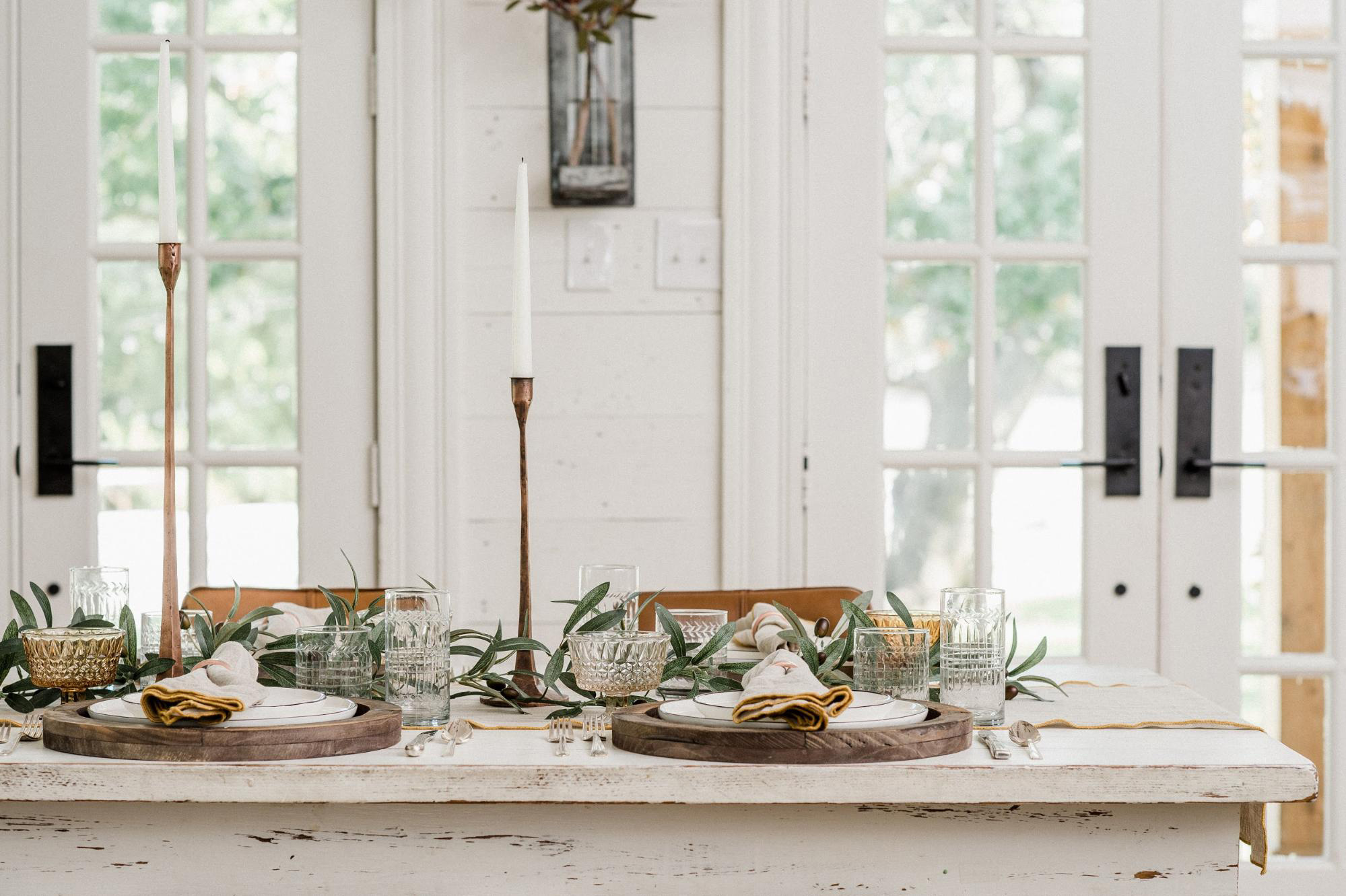 joanna-gaines-thanksgiving-table-2