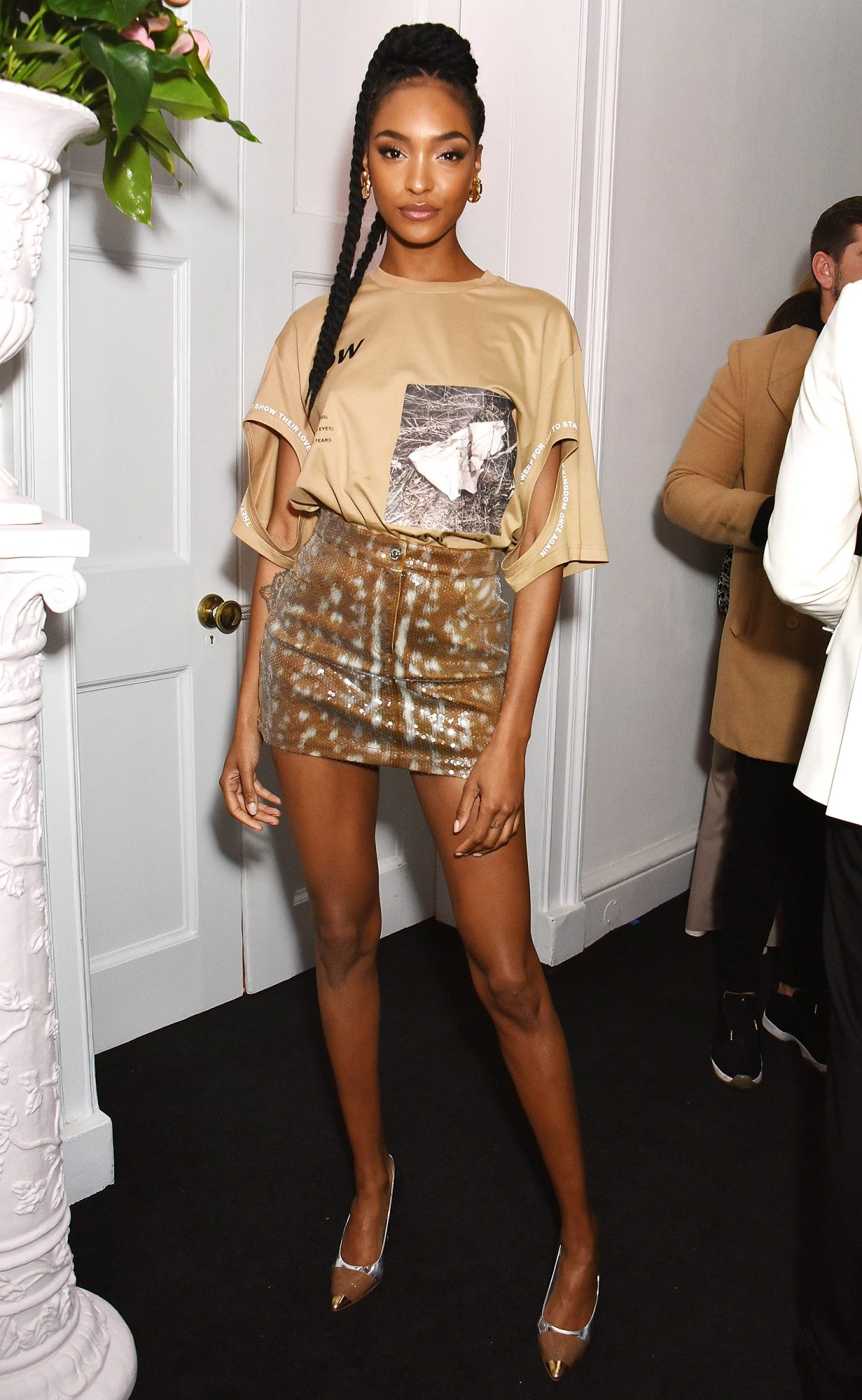 Cara's Delevingne Burberry 'Her' House Party