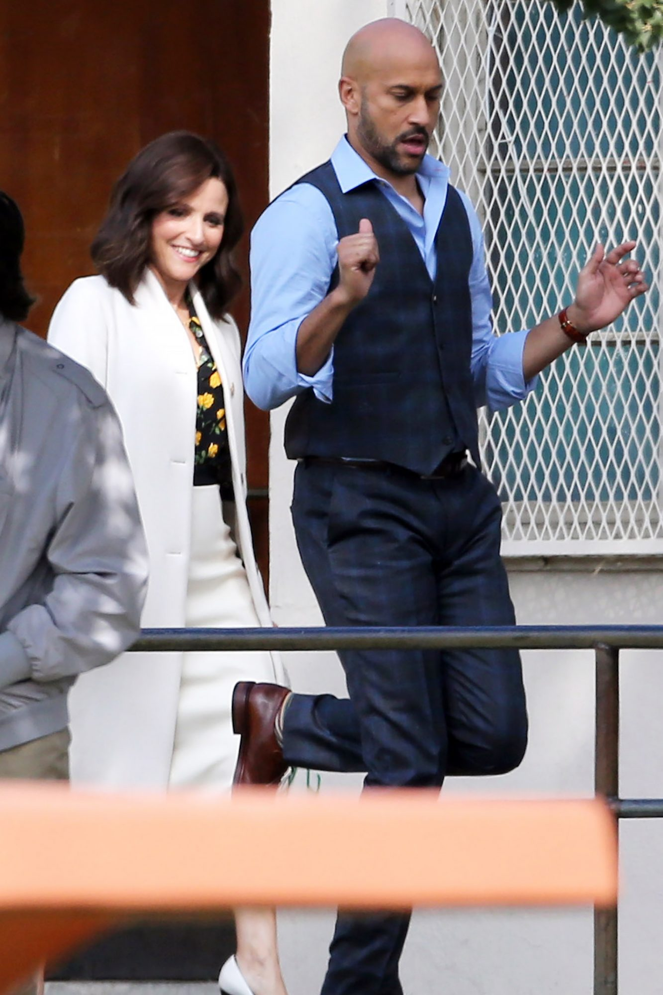 EXCLUSIVE: Julia Louis-Dreyfus and special guest Keegan-Michael Key show off their dance moves as they film scenes for the seventh season of Veep