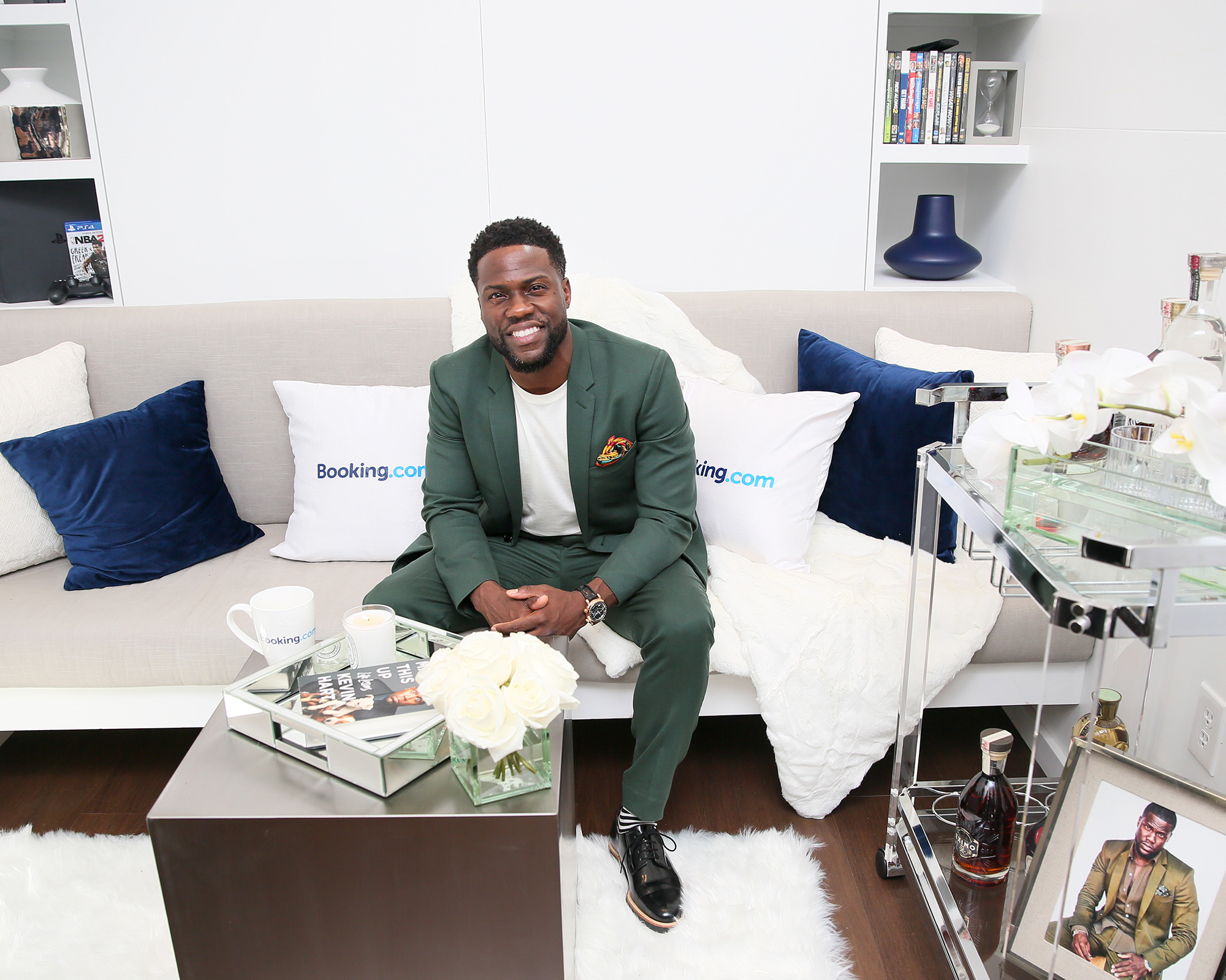 kevin-hart-tiny-house-couch