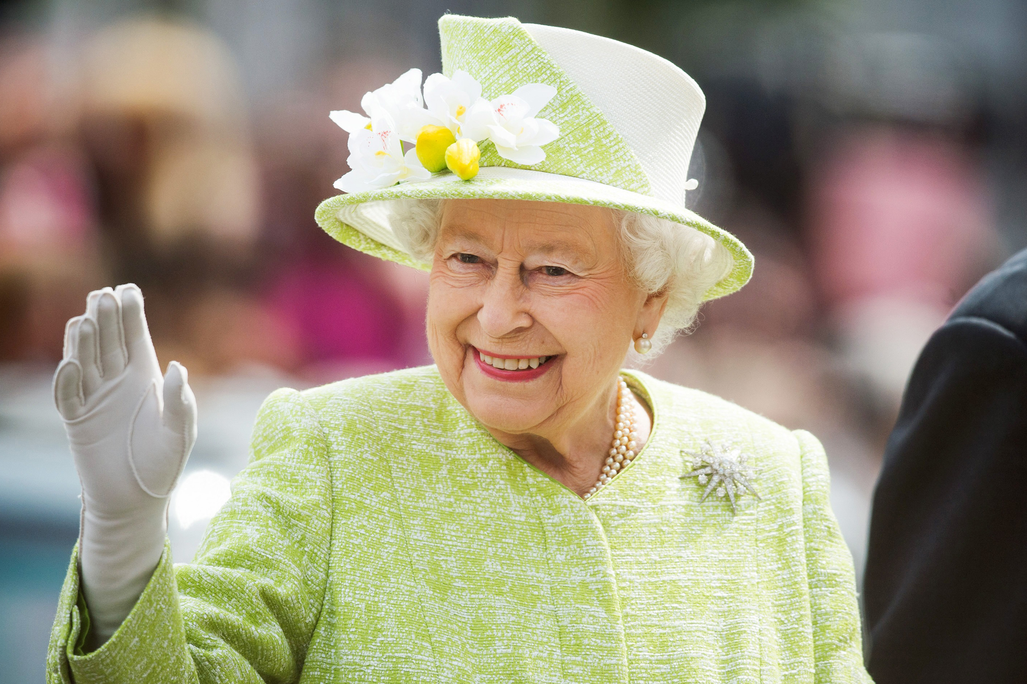 OCT. 23: QUEEN ELIZABETH WELCOMES DUTCH ROYALS
