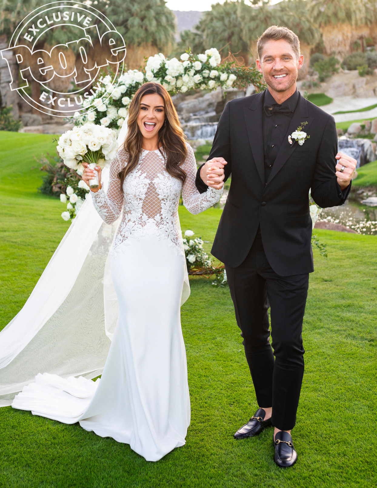 Brett Young Marries Taylor Mills See Every Photo People Com