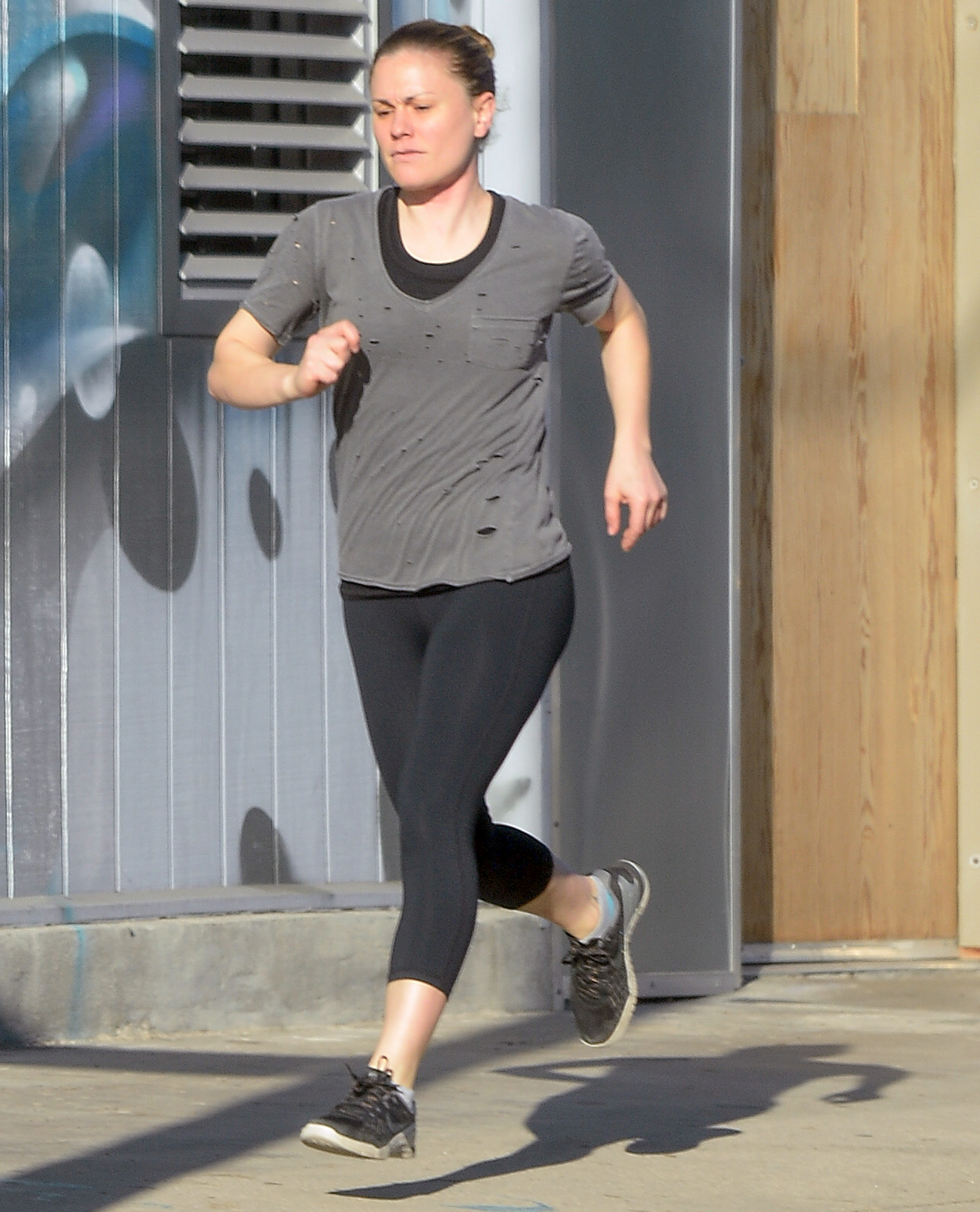 EXCLUSIVE: Anna Paquin goes Makeup Free While Out on a Jog in Los Angeles.