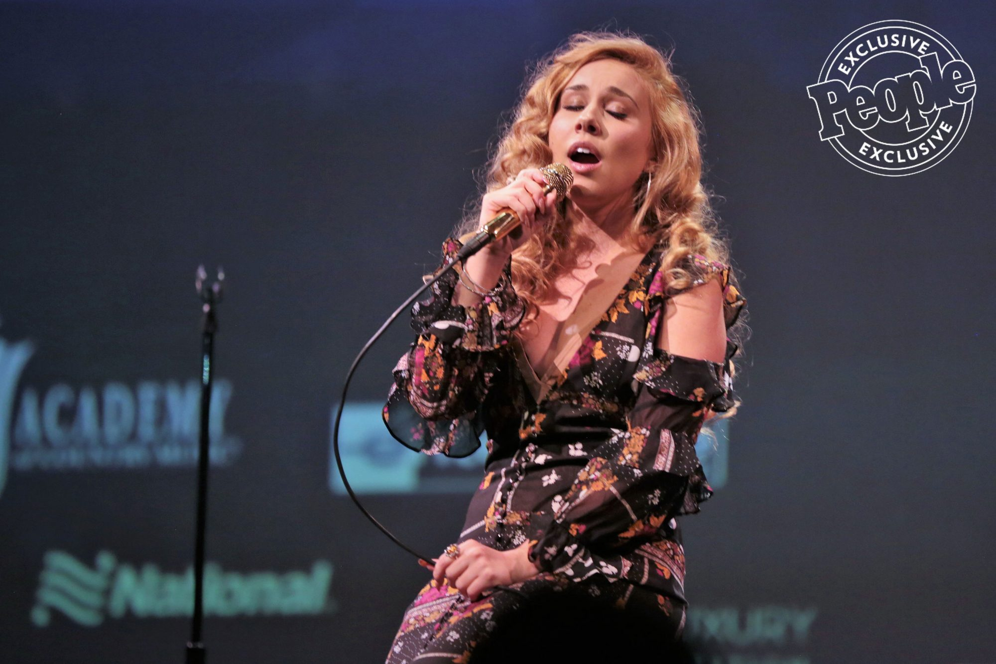 Haley-Reinhart-performs-at-Lincoln-Theater-at-LITV