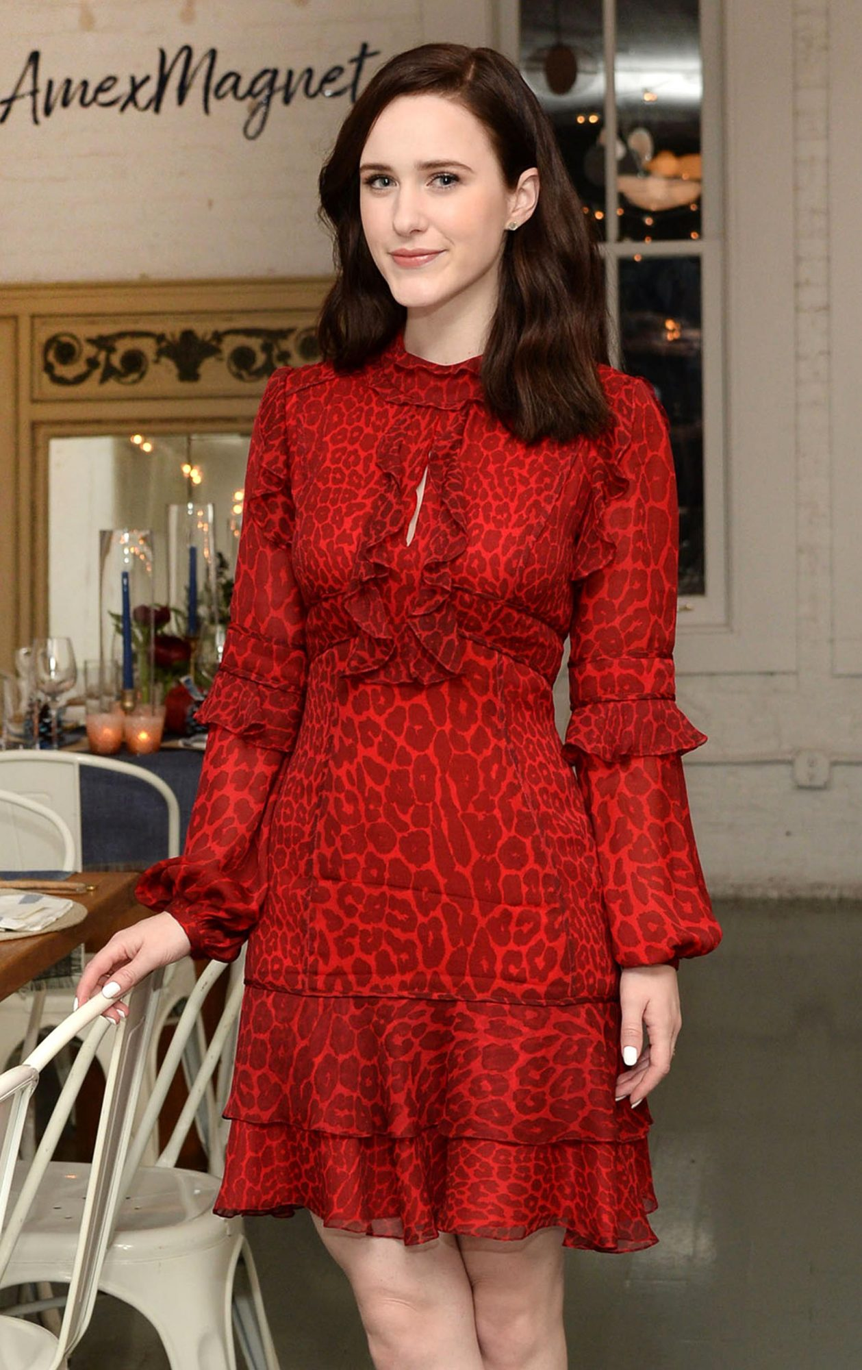 Rachel Brosnahan Keeps it Simple with the American Express Cash Magnet Card