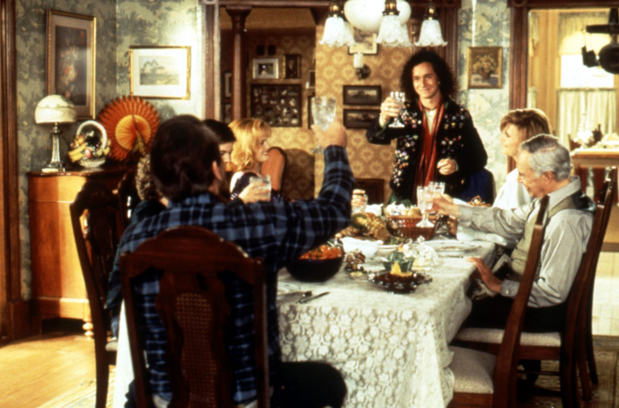SON IN LAW, (clockwise from center): Pauly Shore, Cindy Pickett, Mason Adams, Lane Smith, Patrick Re