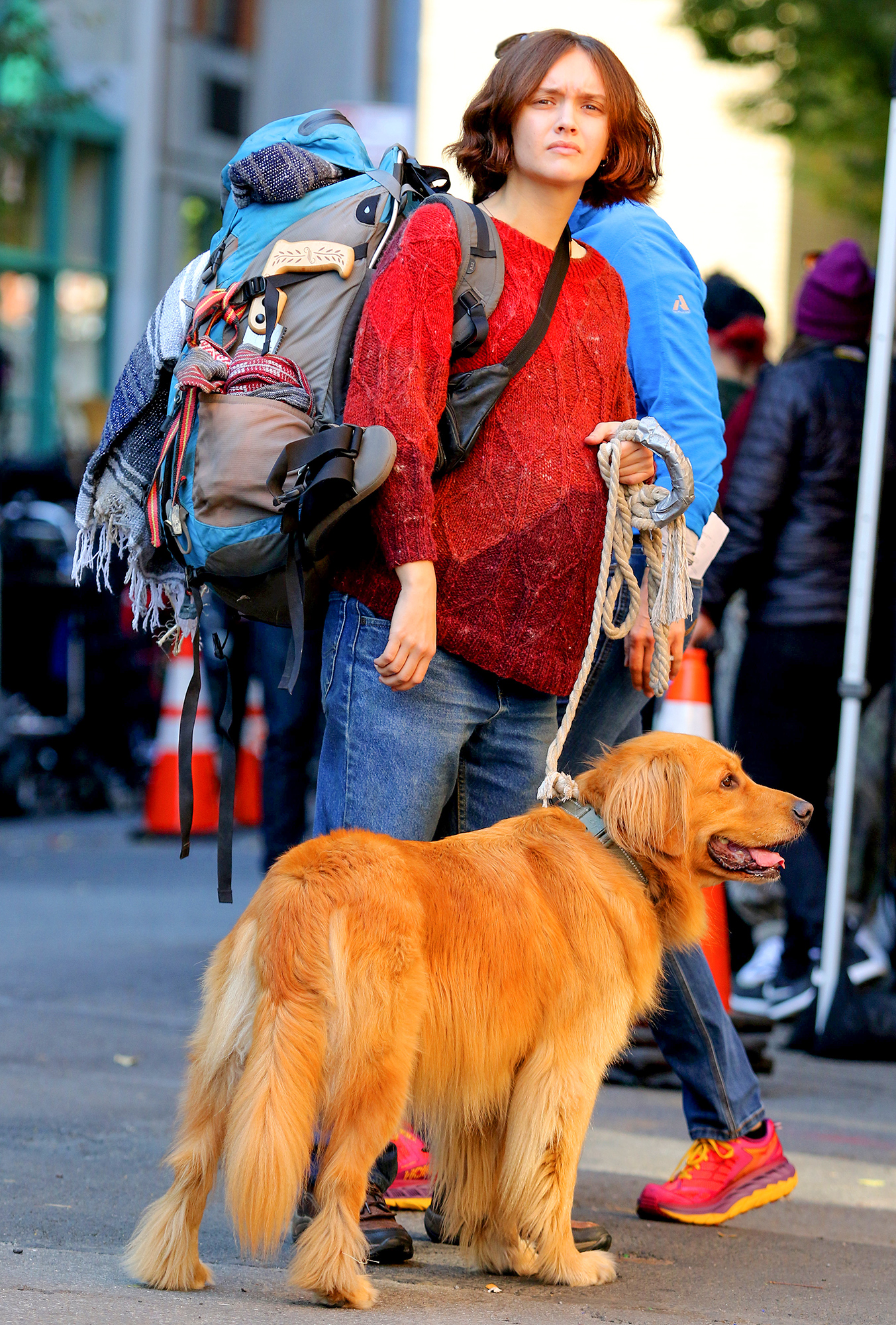 """Ready Player One"" star Olivia Cooke sports huge baby bump with a furry costar while filming in New York City."