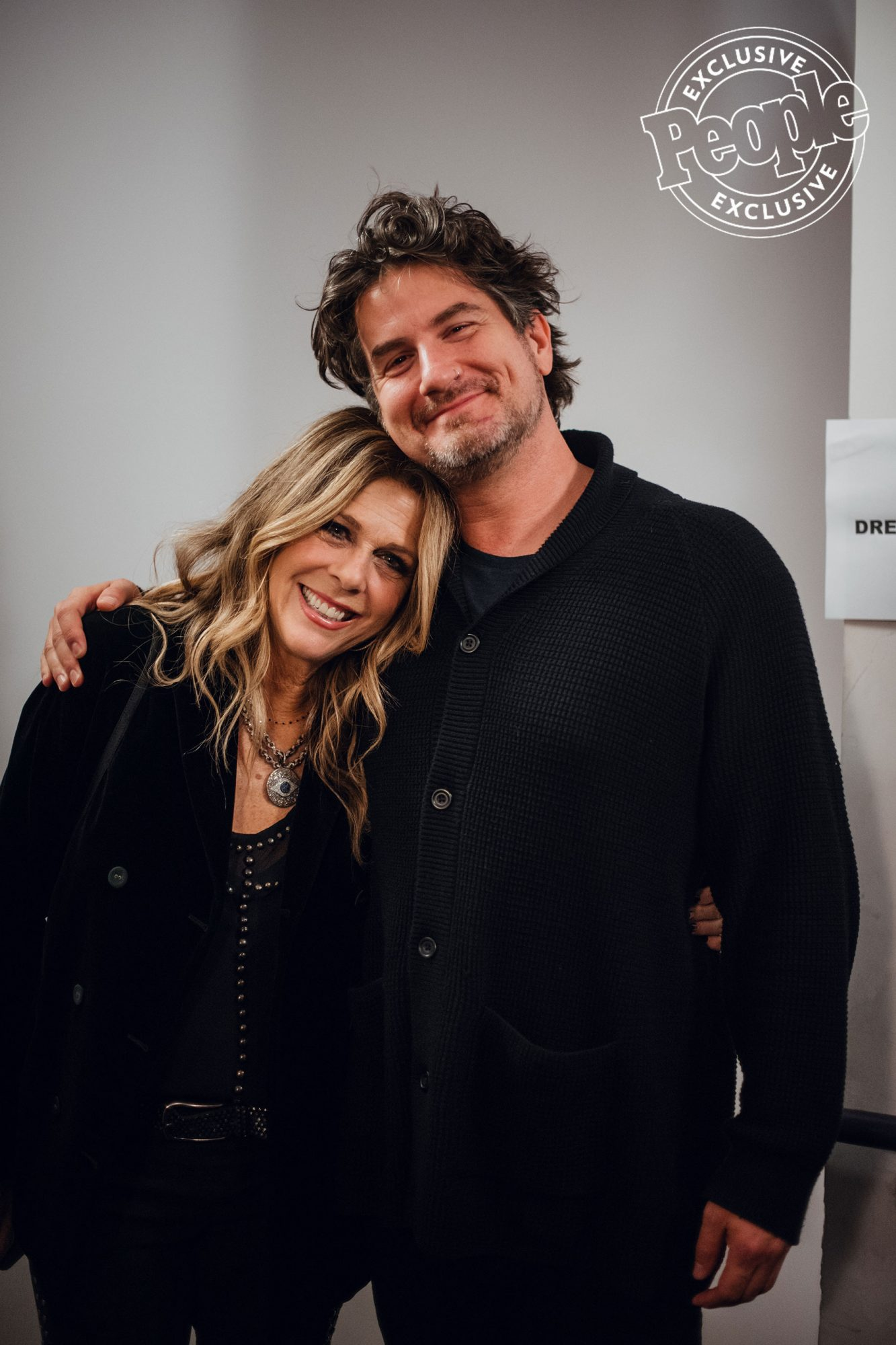 Rita-Wilson-and-Matt-Nathanson-pose-for-a-picture-at-Lincoln-Theater-during-LITV