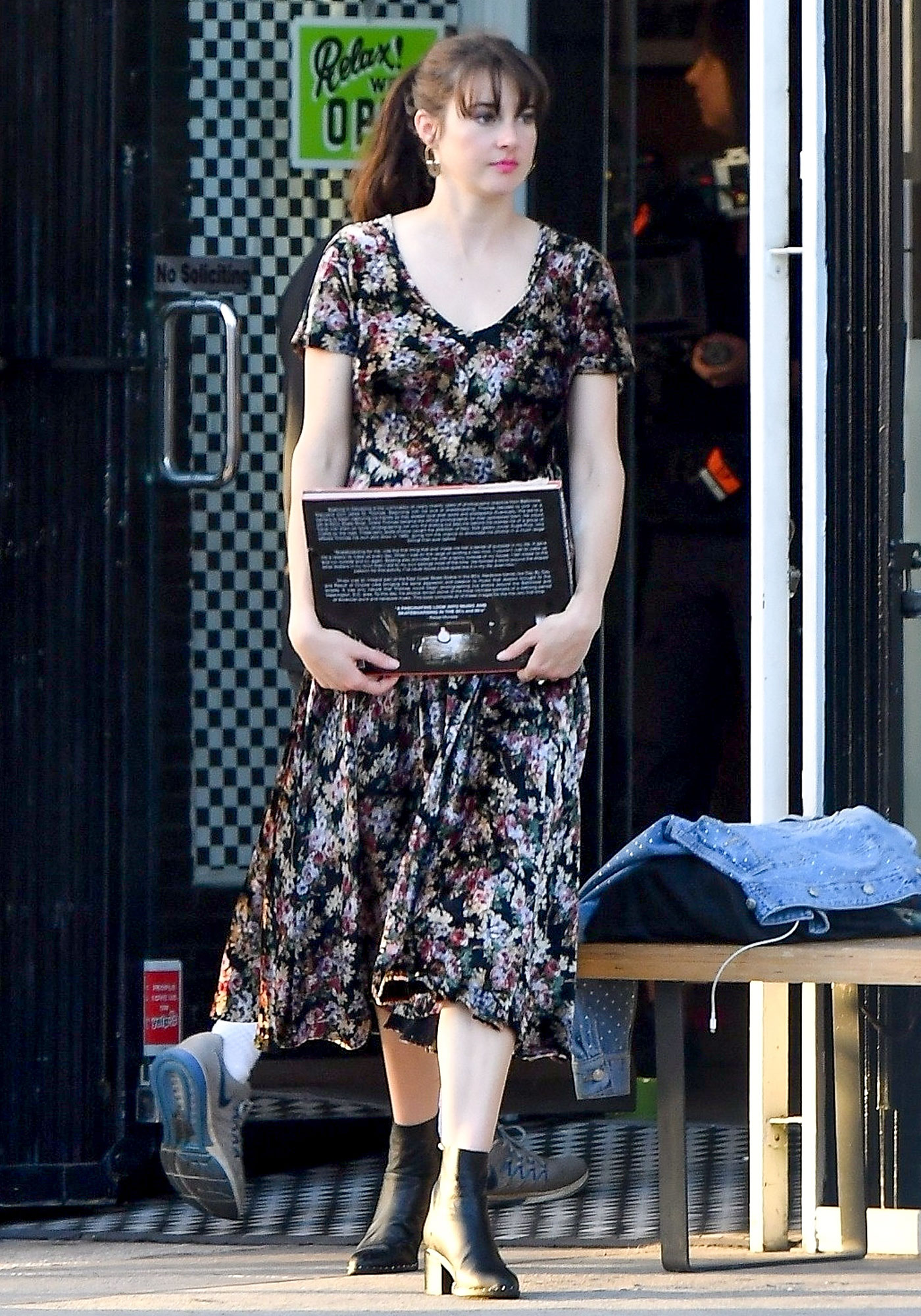 *EXCLUSIVE* Shailene Woodleywas spotted this morning back on the set of her upcomingfilm