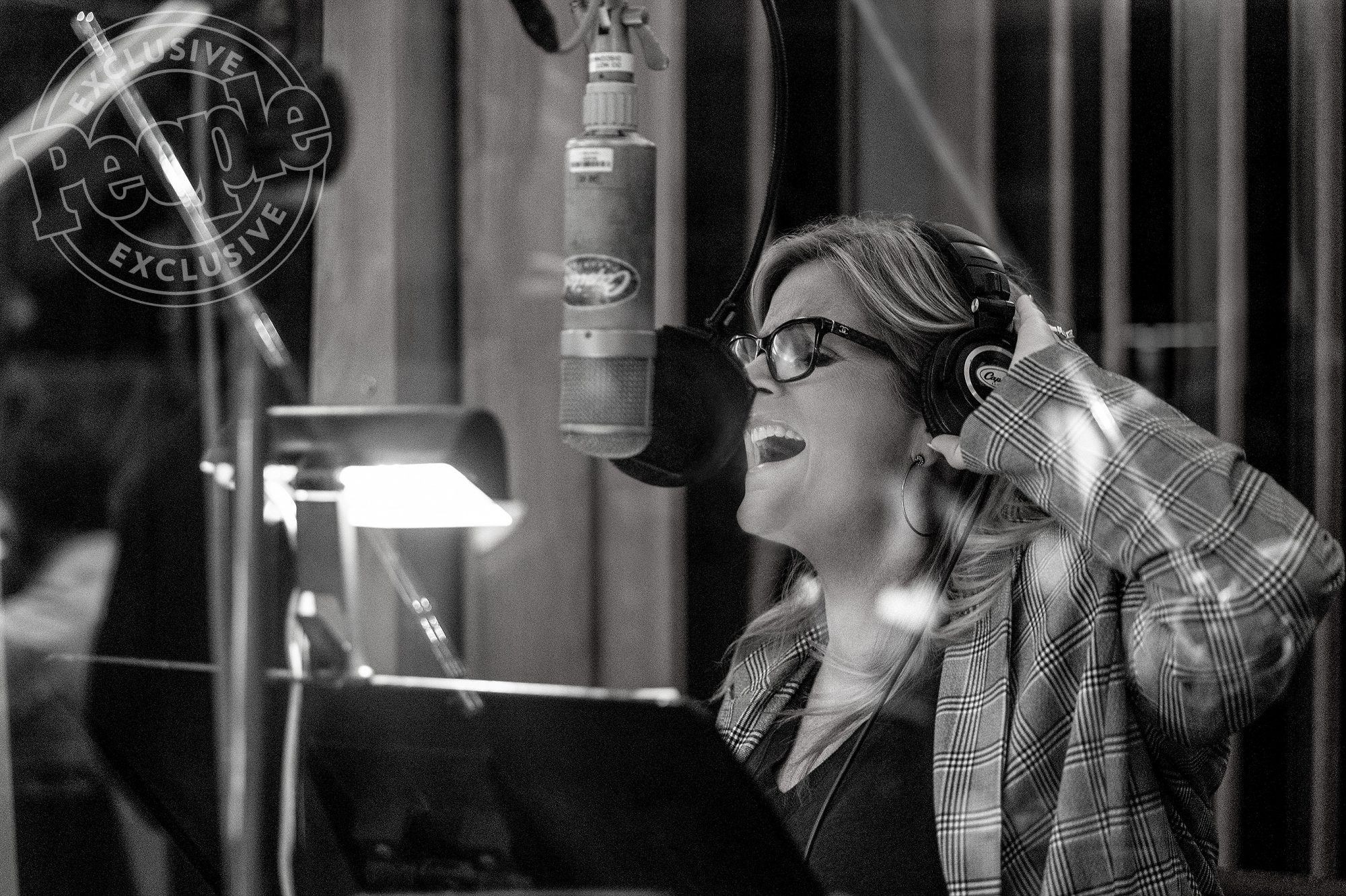 Trisha Yearwood Set to Release Frank Sinatra Cover Album Let's Be Frank