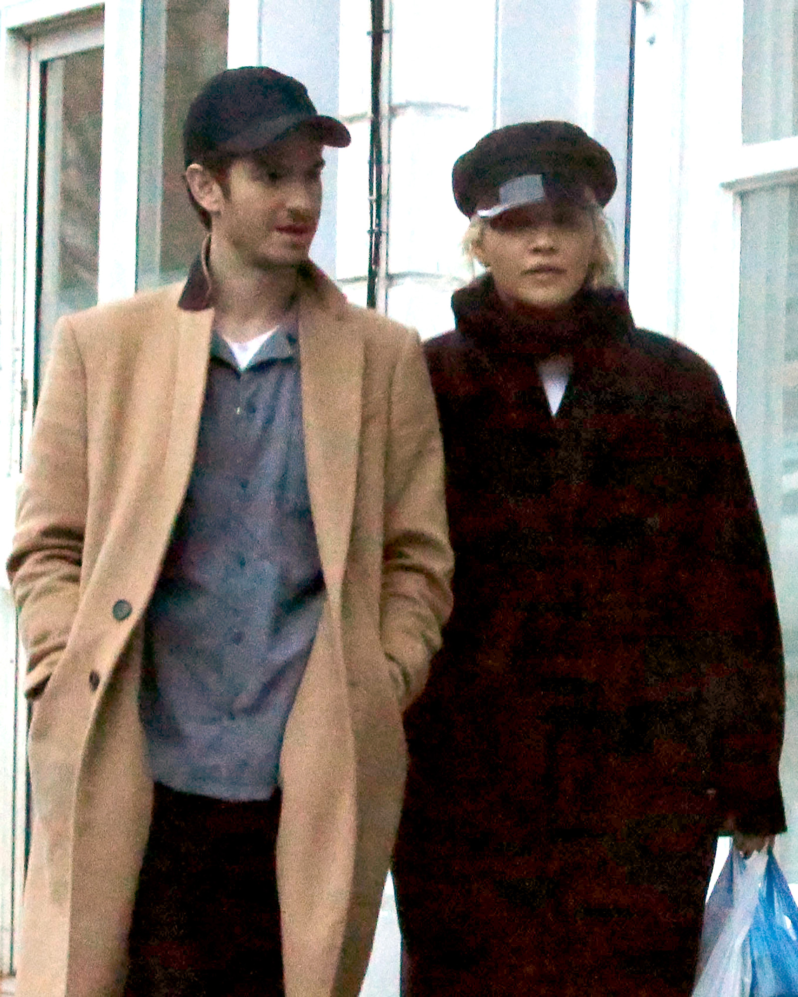 EXCLUSIVE: PREMIUM EXCLUSIVE  * WEB EMBARGO: NO WEB until Tuesday, December 25th at 4pm GMT ** NO NY PAPERS *First Exclusive Pictures Of Andrew Garfield Spotted With Girlfriend Rita Ora As They Shop In Primrose Hill