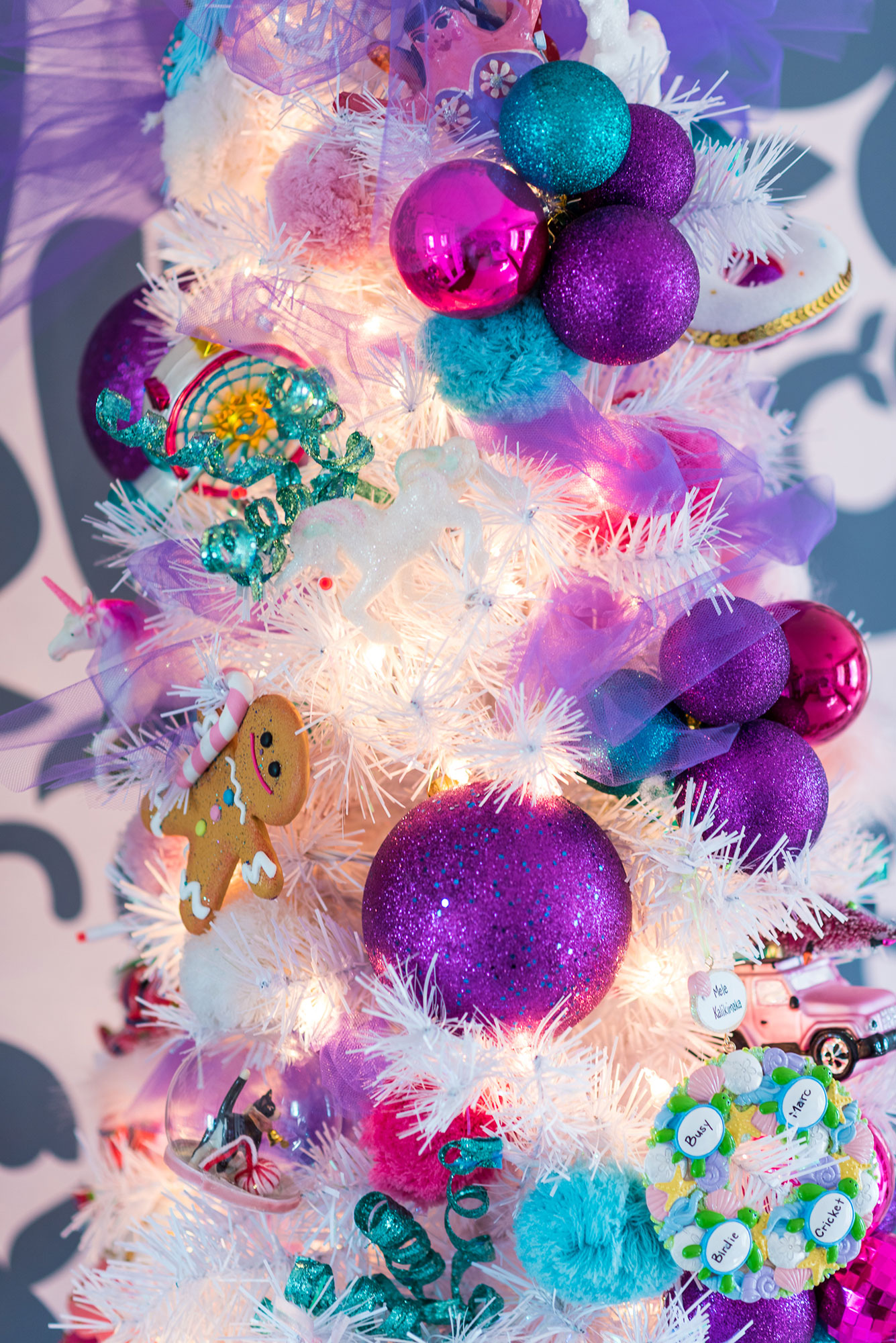 busy-philipps-holiday-ornament
