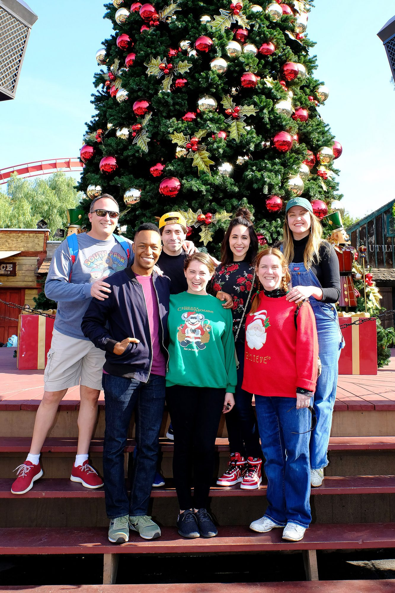The Cast of Crazy Ex Girlfriend Visits Knotts Berry Farm
