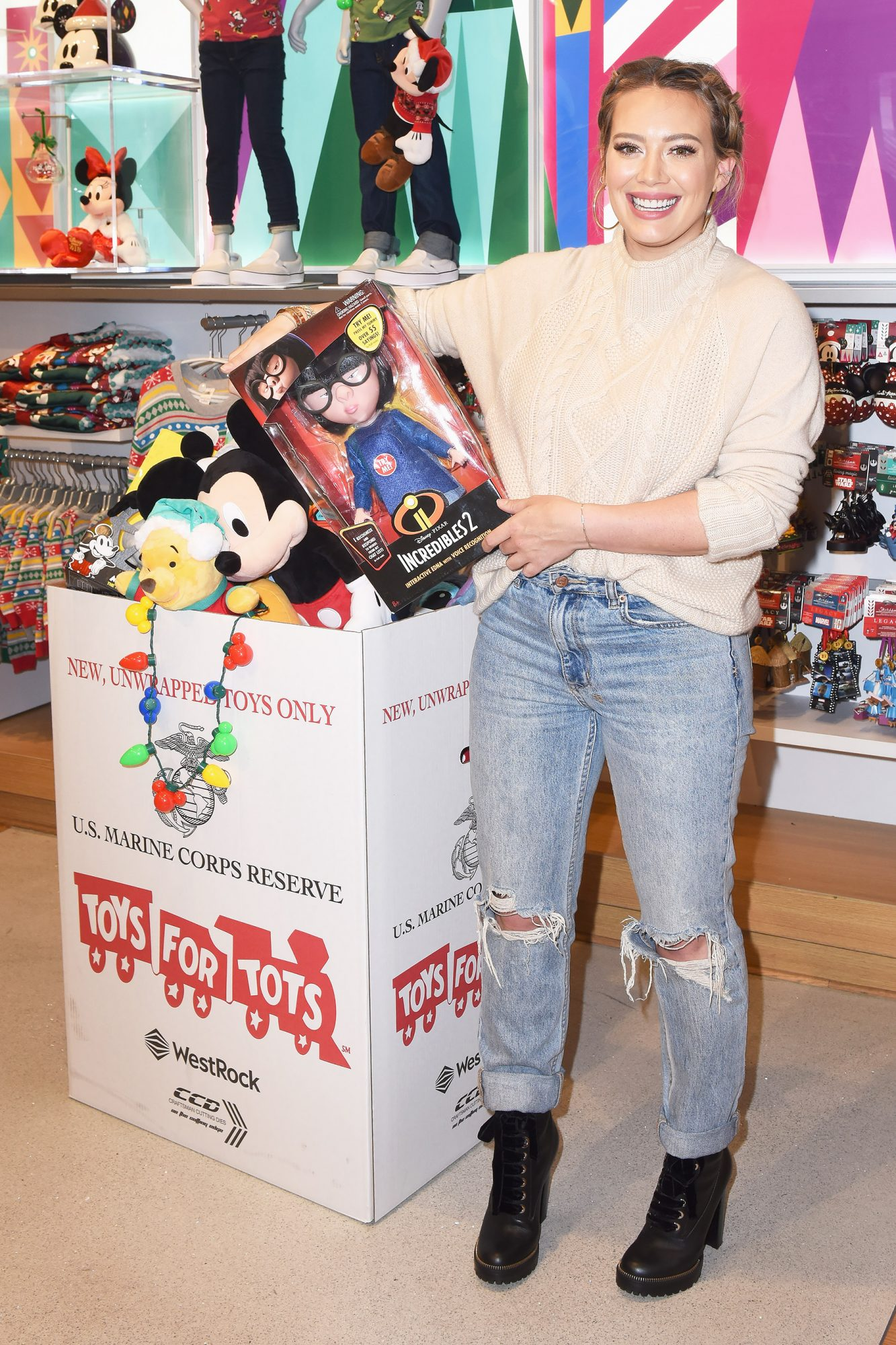 Hilary Duff Kicks off the Disney store and shopDisney's Toys for Tots Holiday Campaign