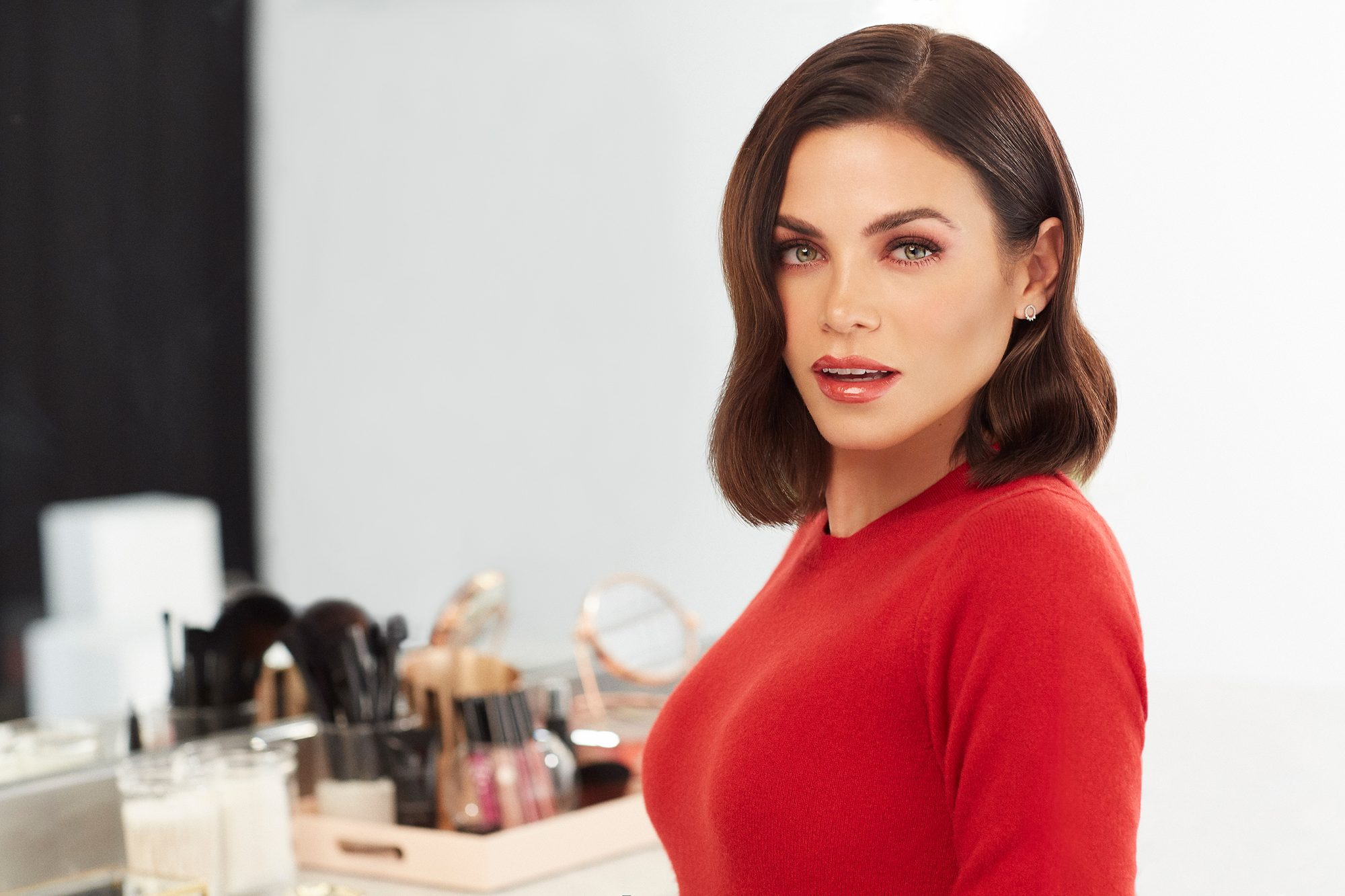 Jenna Dewan Is the Face of Savvy Minerals Beauty Brand