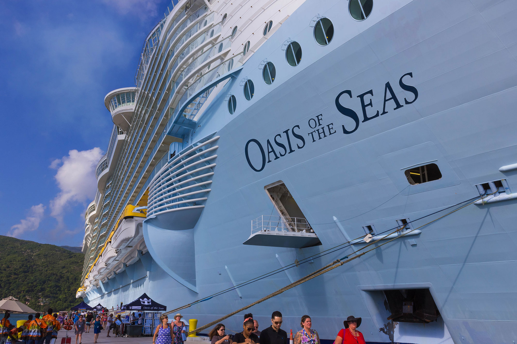 oasis-of-the-seas-carnival-cruise-ship-1
